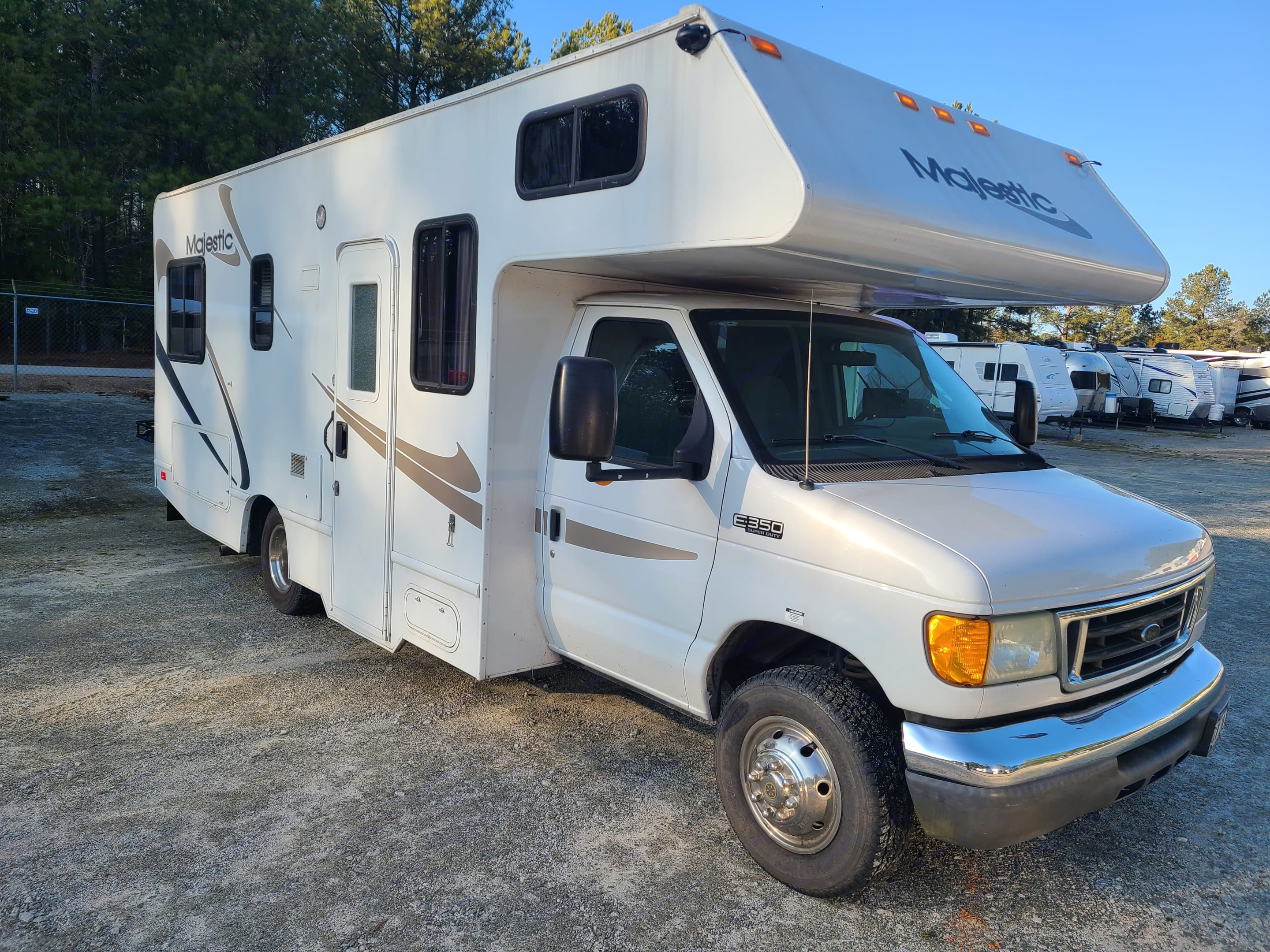 Thor Motor Coach Four Winds Majestic 2006