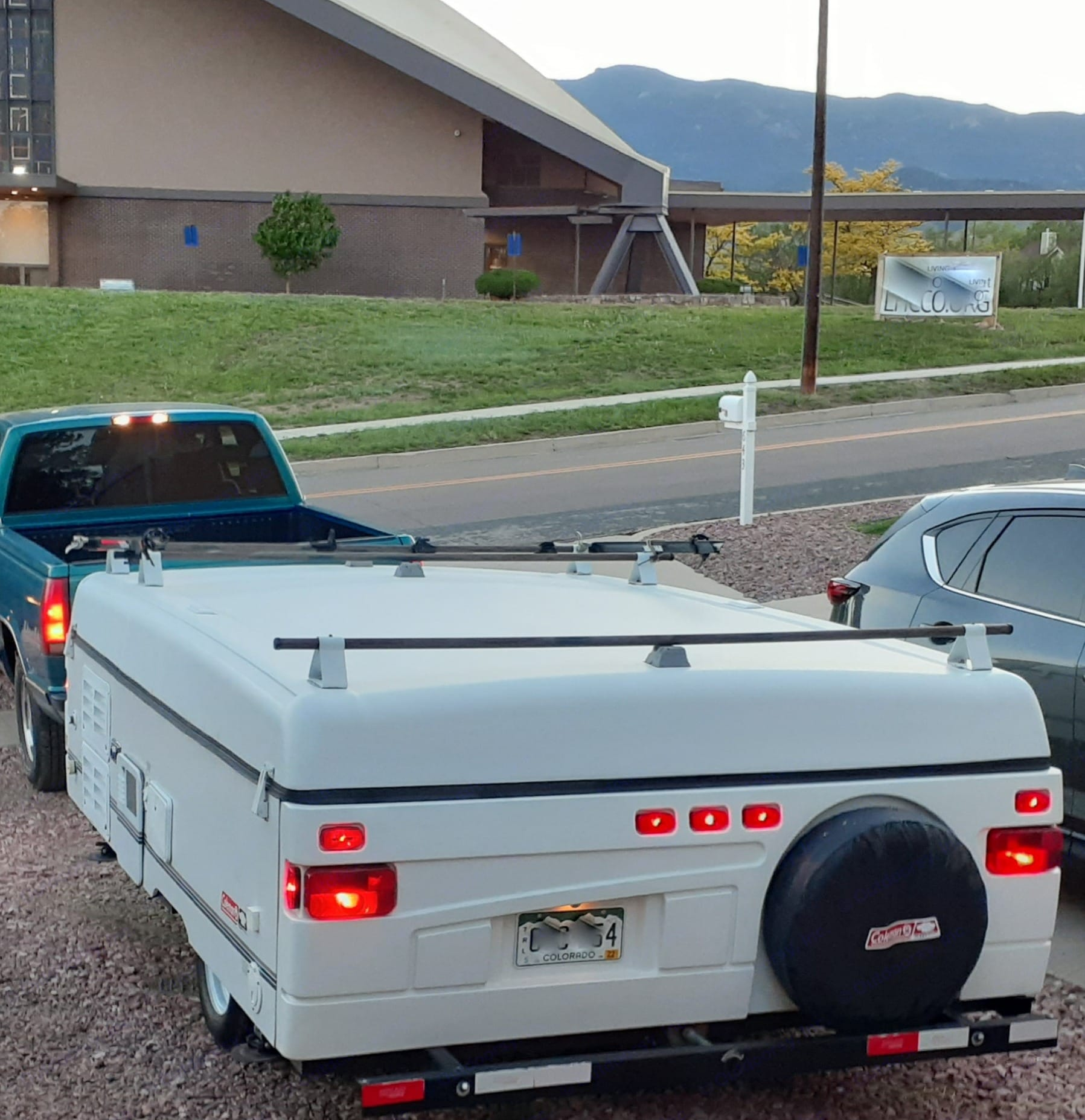 Ready to hit the road. :) . Coleman Santa Fe 2001