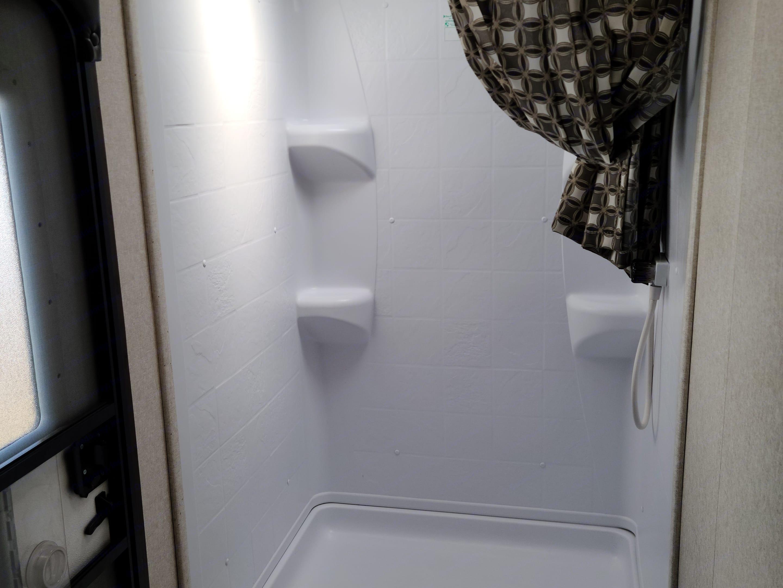 Nice roomy shower.. Jayco Jay Flight 2018
