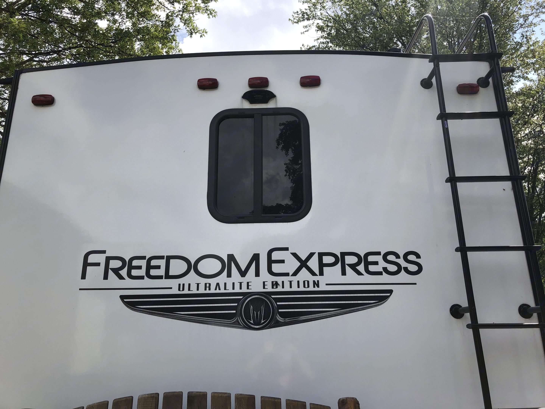 Coachmen Freedom Express 2021