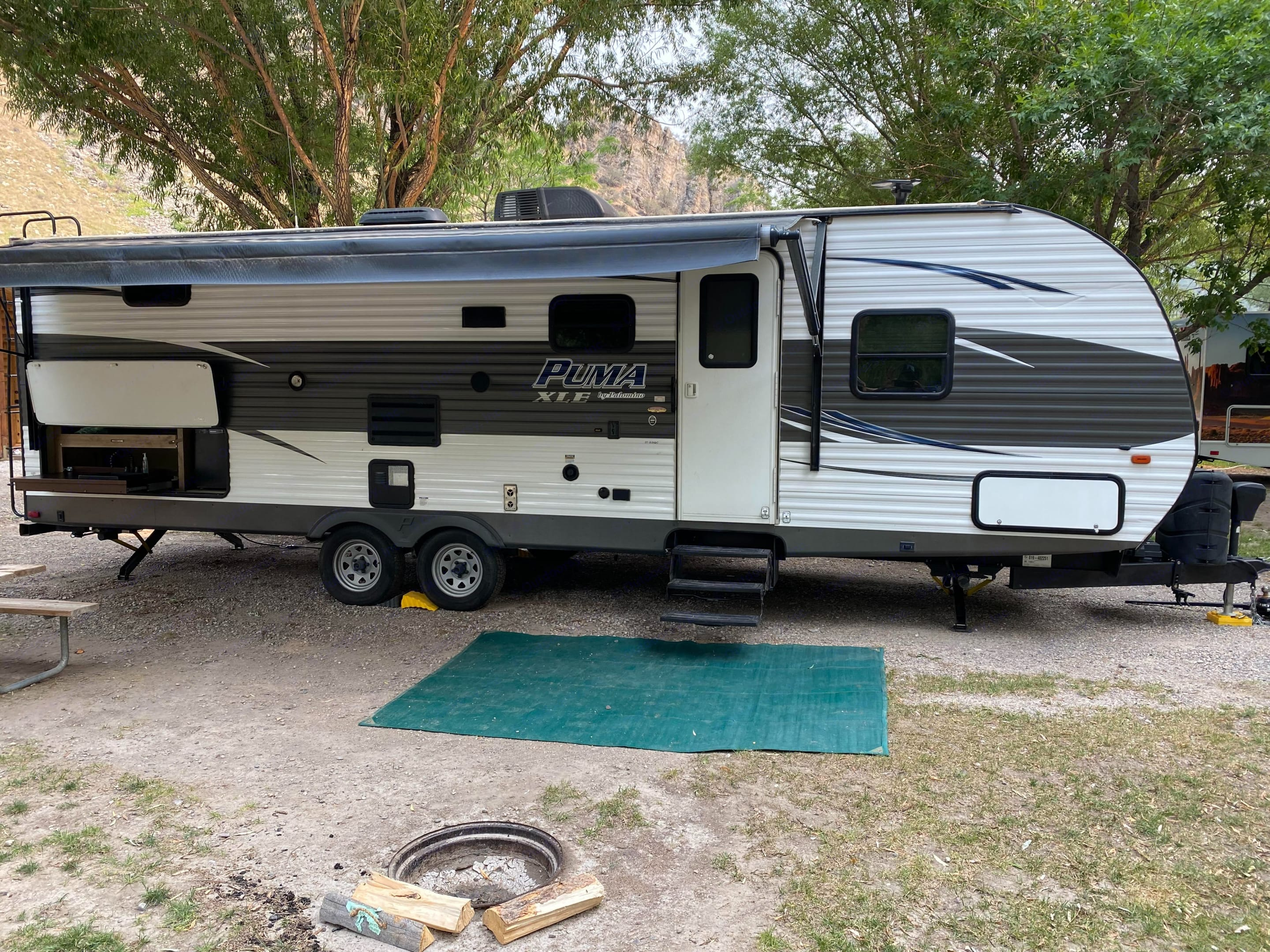 Here is the awning, outside kitchen. Palomino Puma 2017