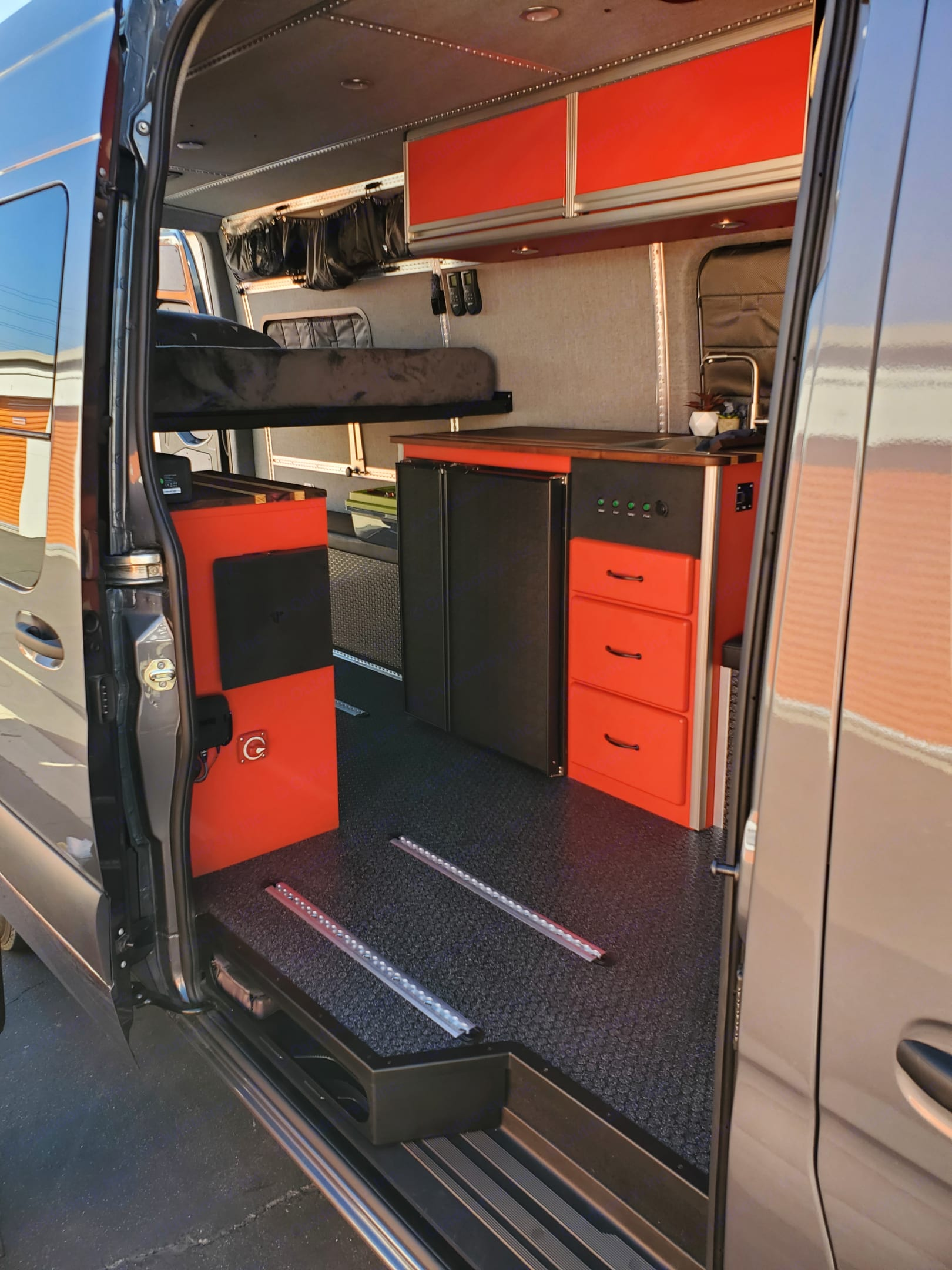 Good view of the Galley area with the captains chair removed. Look at that fridge! 🙌. Mercedes-Benz Sprinter 2019