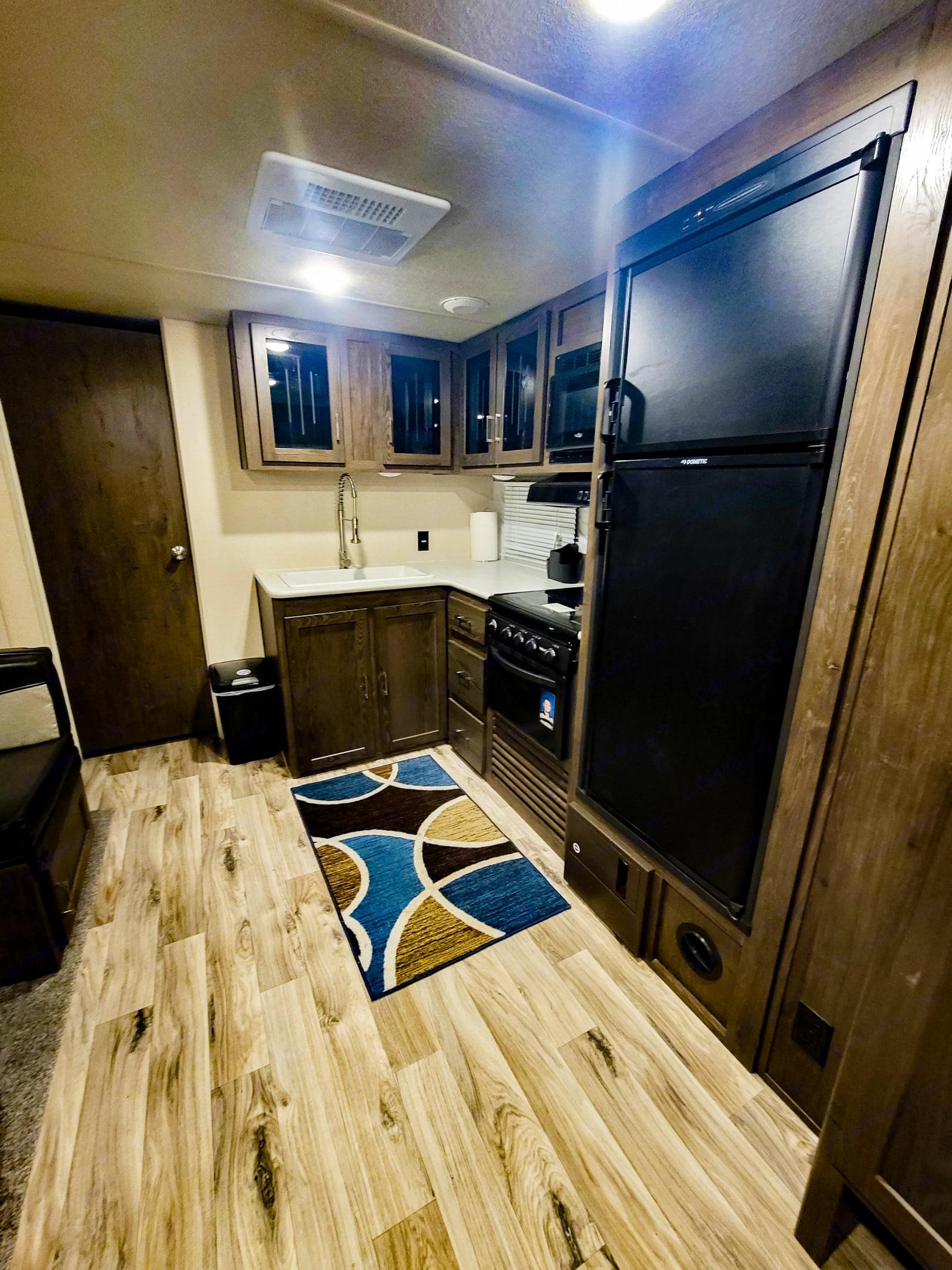 Propane Stove - Propane/electric refrigerator. Forest River Heritage Glen 2018