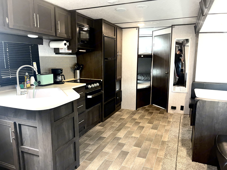 Spacious kitchen perfect for entertaining . Dutchmen Coleman 2021