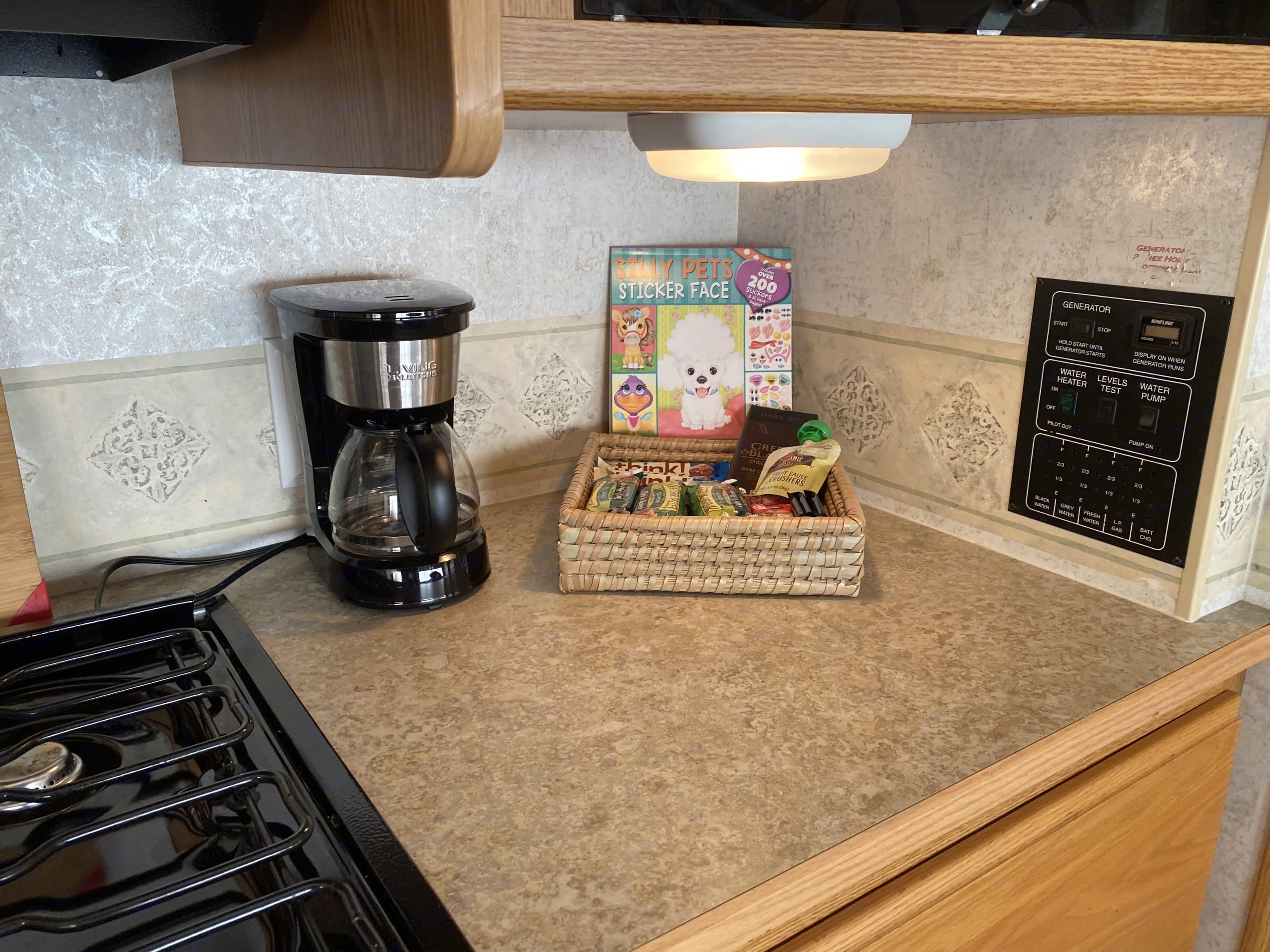 Tell us who is traveling and we'll add those special touches. Kids love bubbles & sticker books; moms love coffee...let us know!. Winnebago Outlook 2006