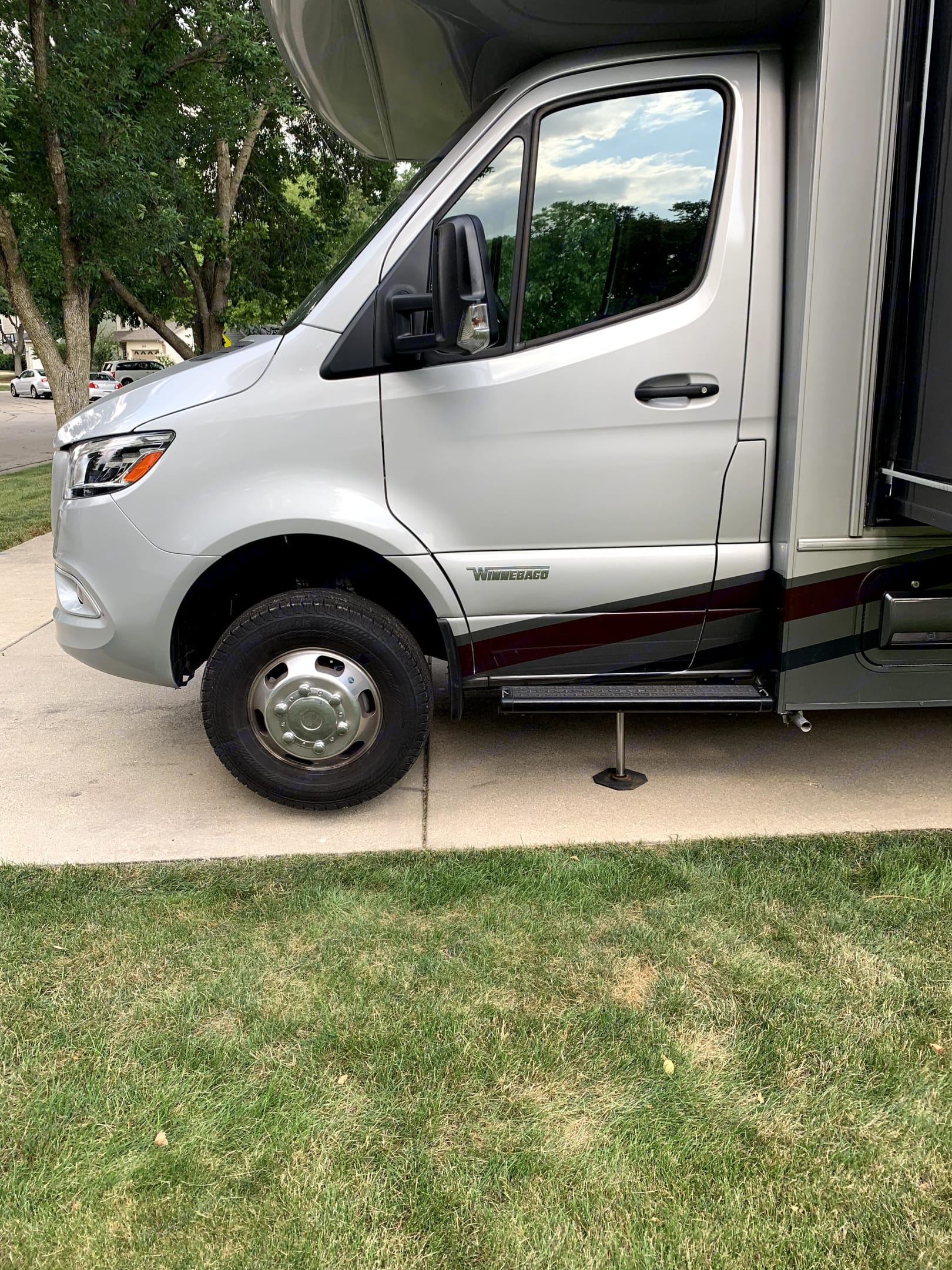 Parked and Leveled - Driver Side. Winnebago View 2022