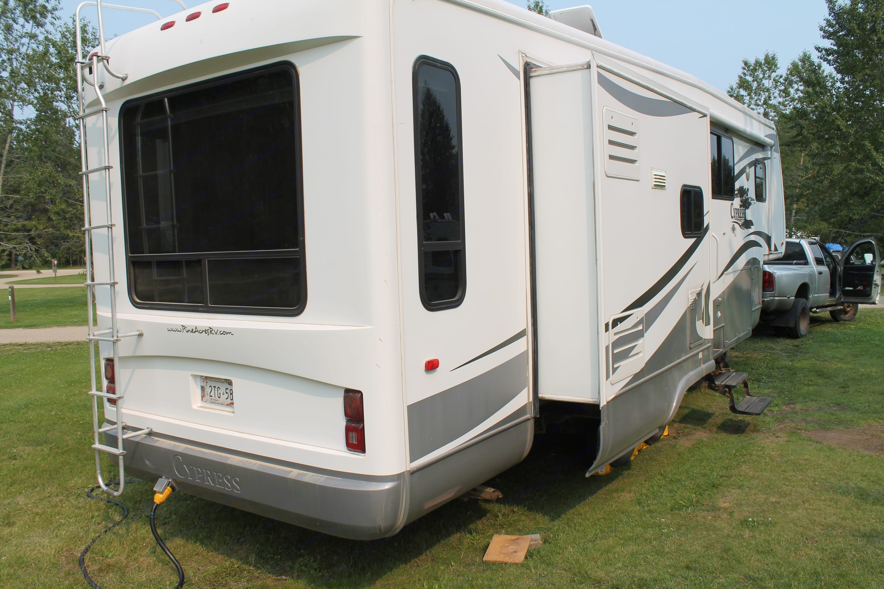 On Site at Pigeon Lake. Newmar Cypress 2009