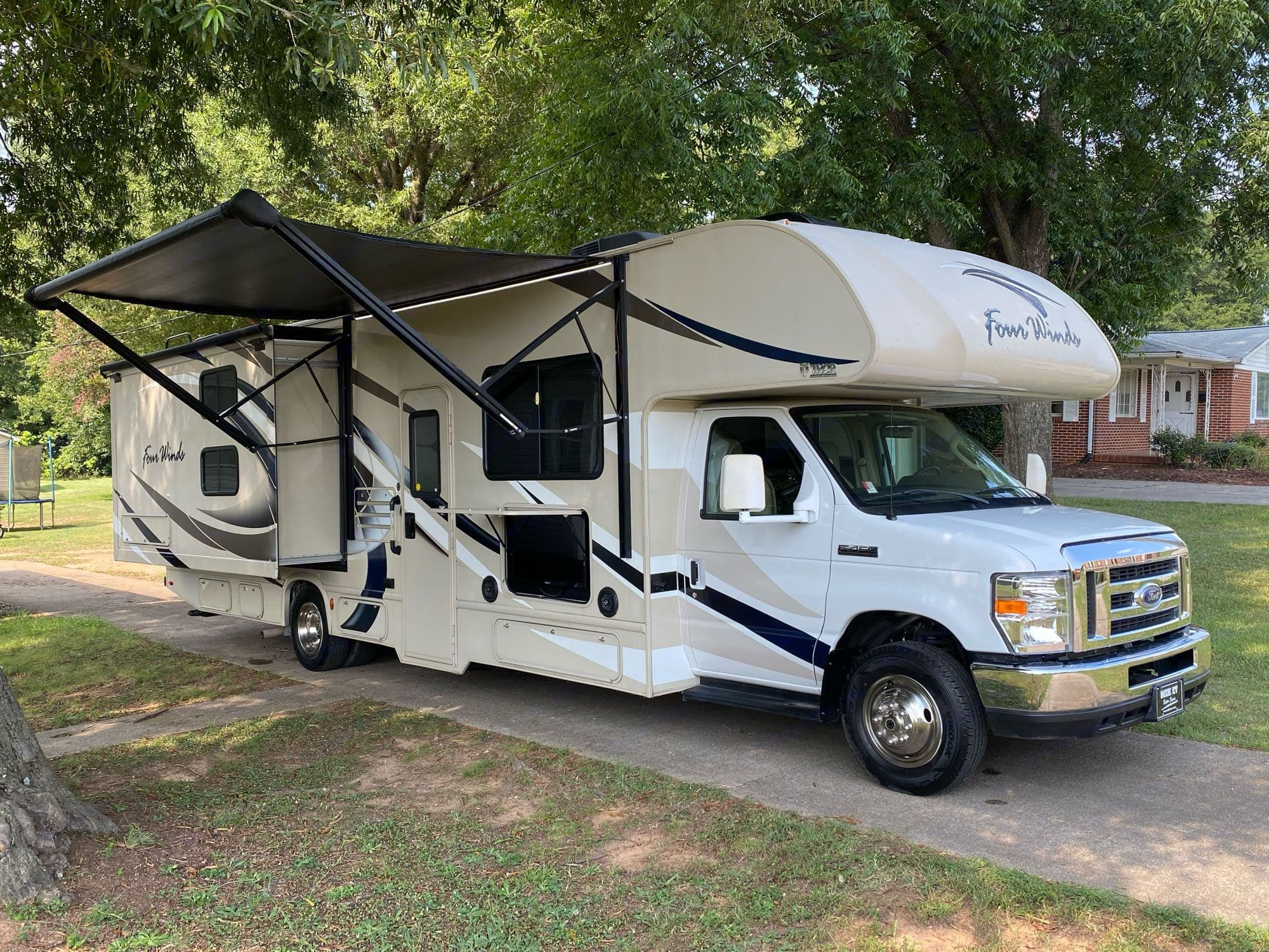 Outdoor TV. Surround sound speakers. LED electric awning. . Thor Motor Coach Four Winds 2018