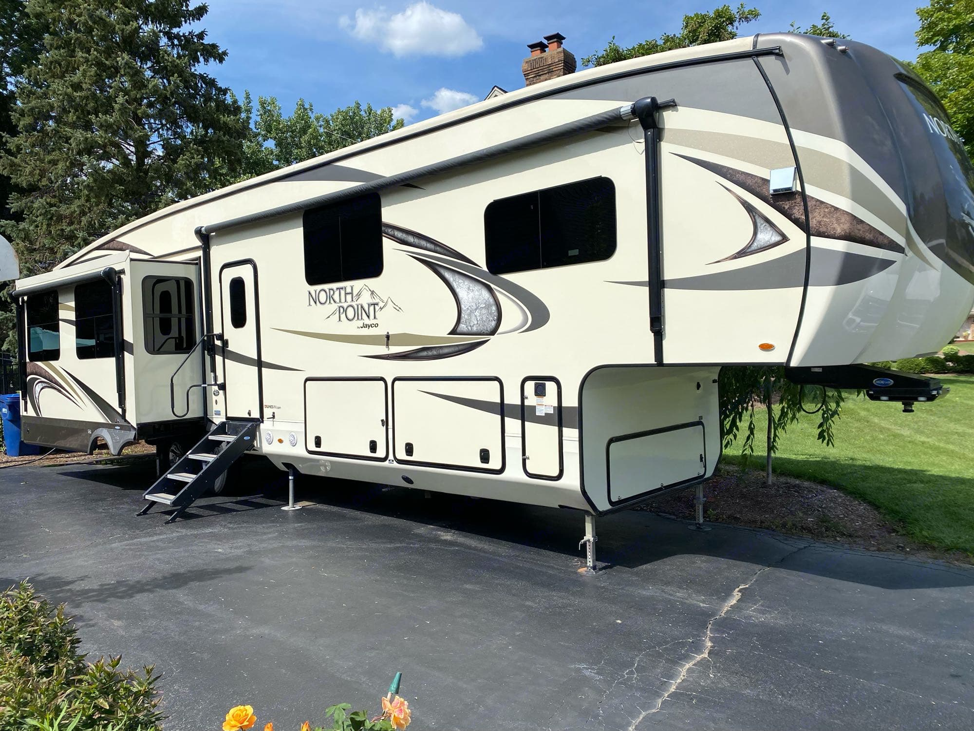 Jayco Northpoint 377RLBH 2018