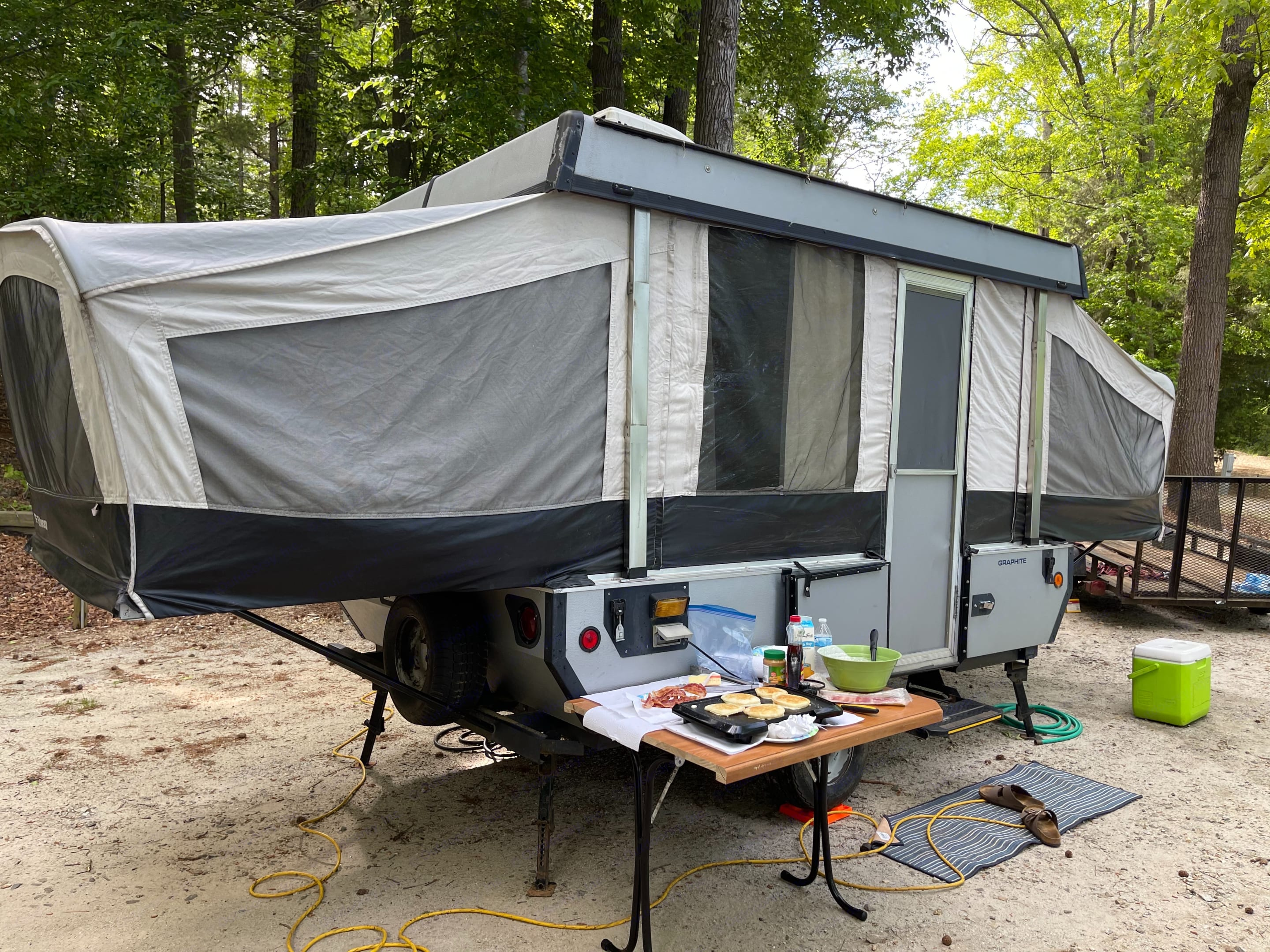 Since this picture an new awning has been added.. Fleetwood Element 2007
