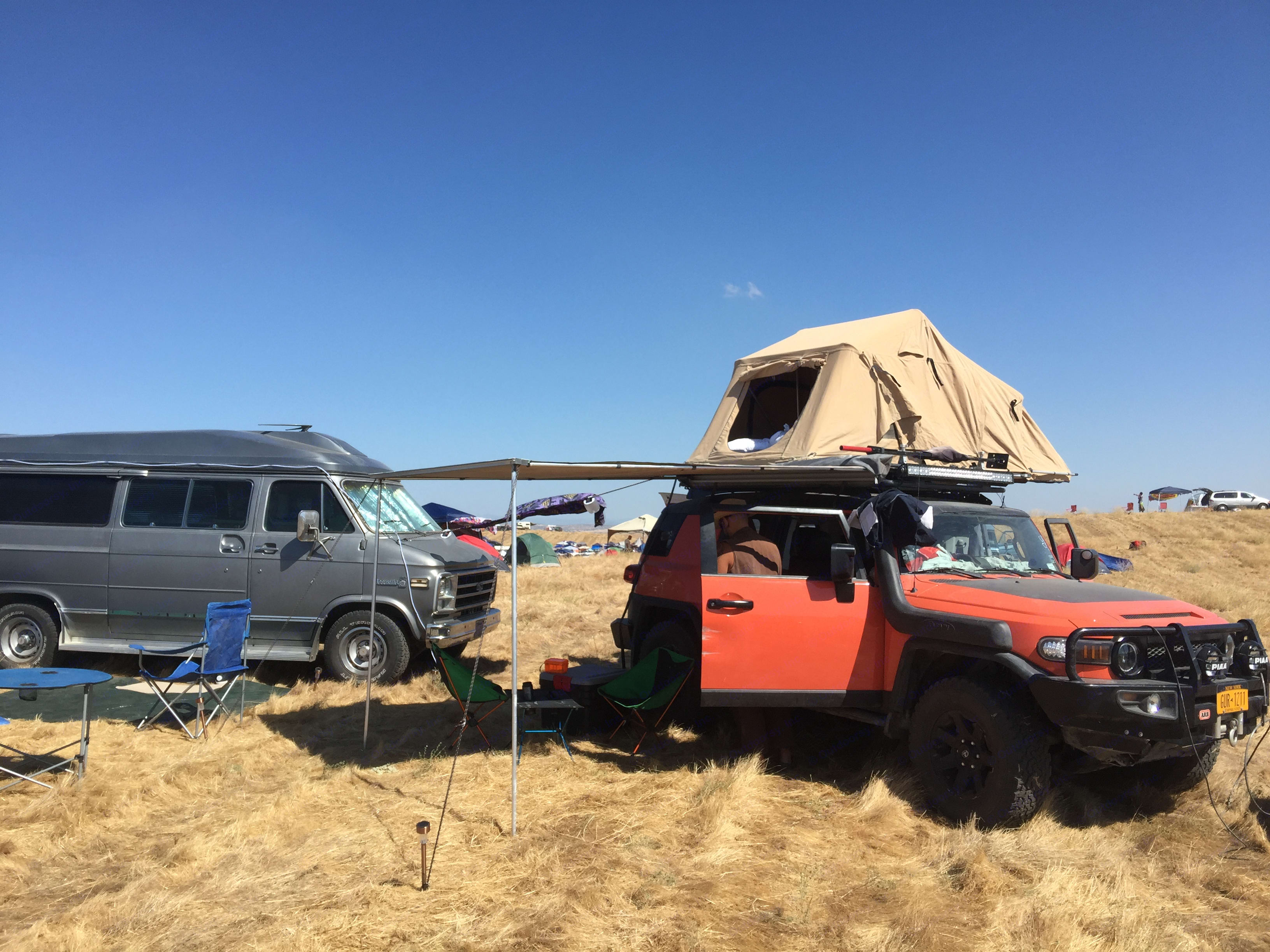 Sleeps 2 on the roof, the awning can be set up with walls and a space to sleep another 3. Ultimate 4x4 adventure vehicle.. Toyota FJ Cruiser 2014