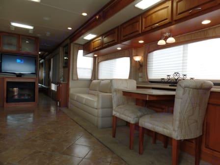 Right interior overview. Holiday Rambler HR Ambassador 2008