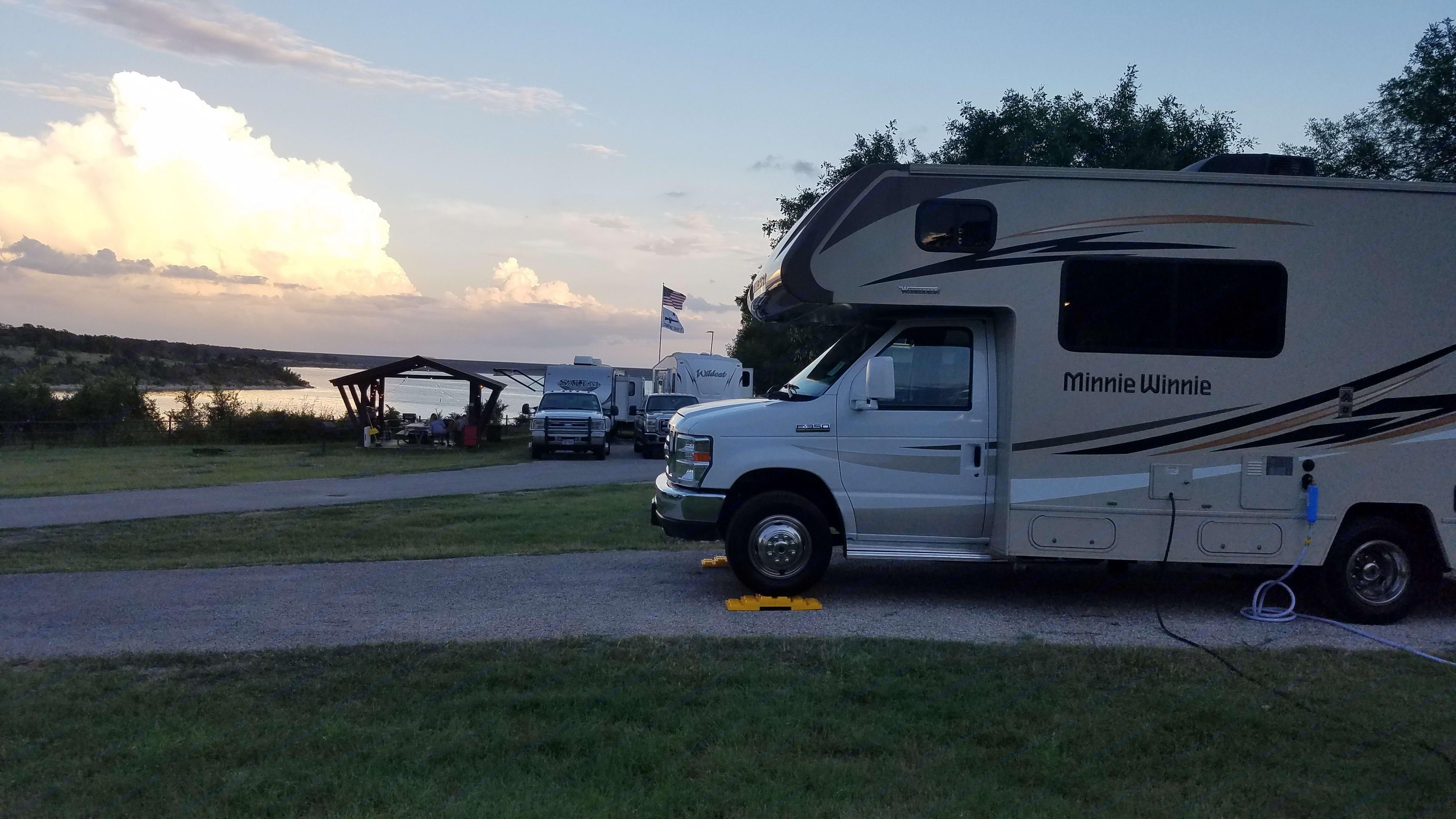 Camping at Jim Hogg park on Lake Georgetown, Georgetown, TX. Winnebago Minnie Winnie 2016