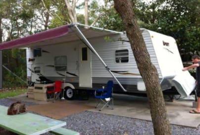 Wonderful Trailer Camper - sleeps 5 to 7. Dutchmen Sport 2010