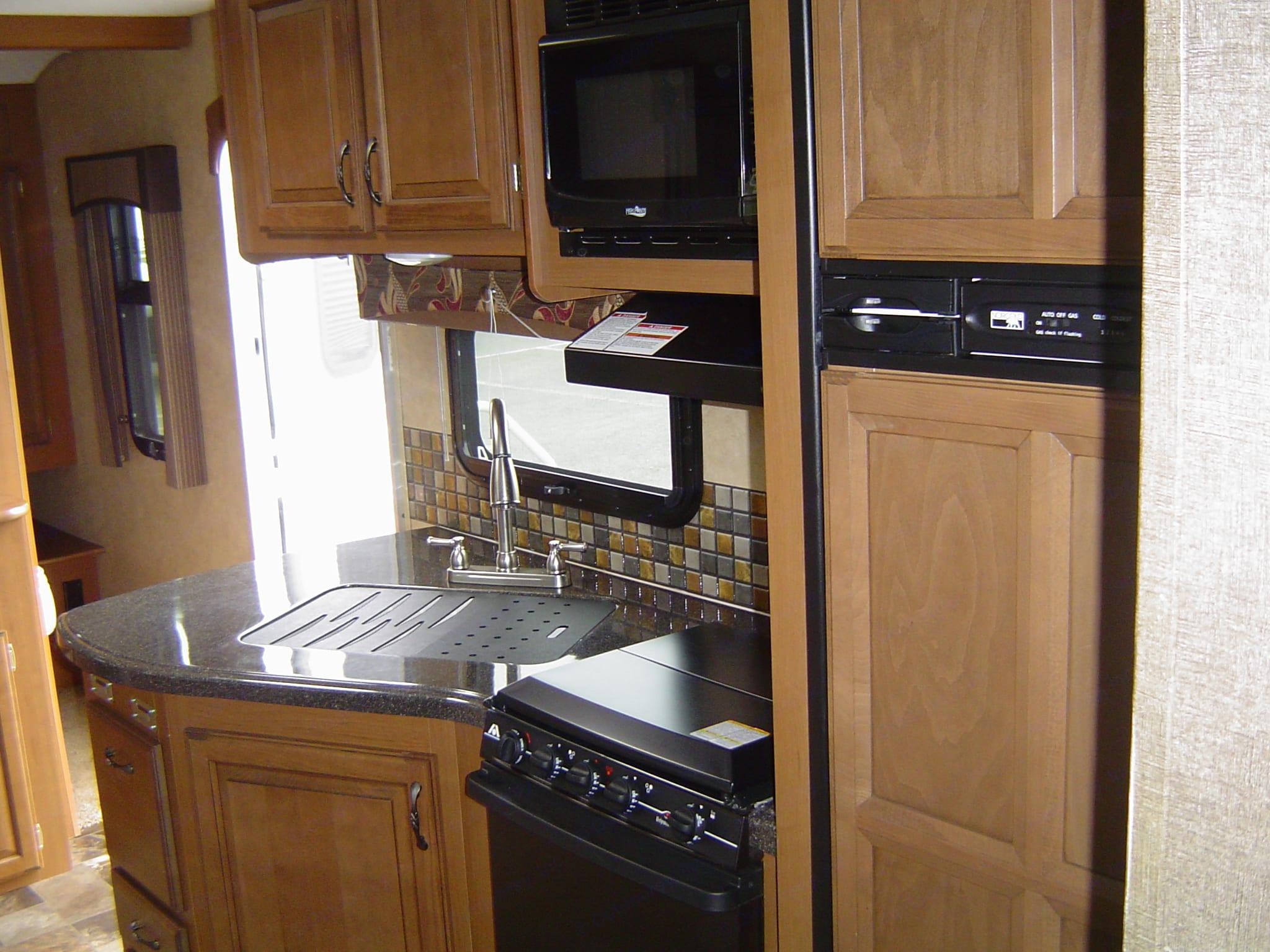 Kitchen. Starcraft Travel Star 2014