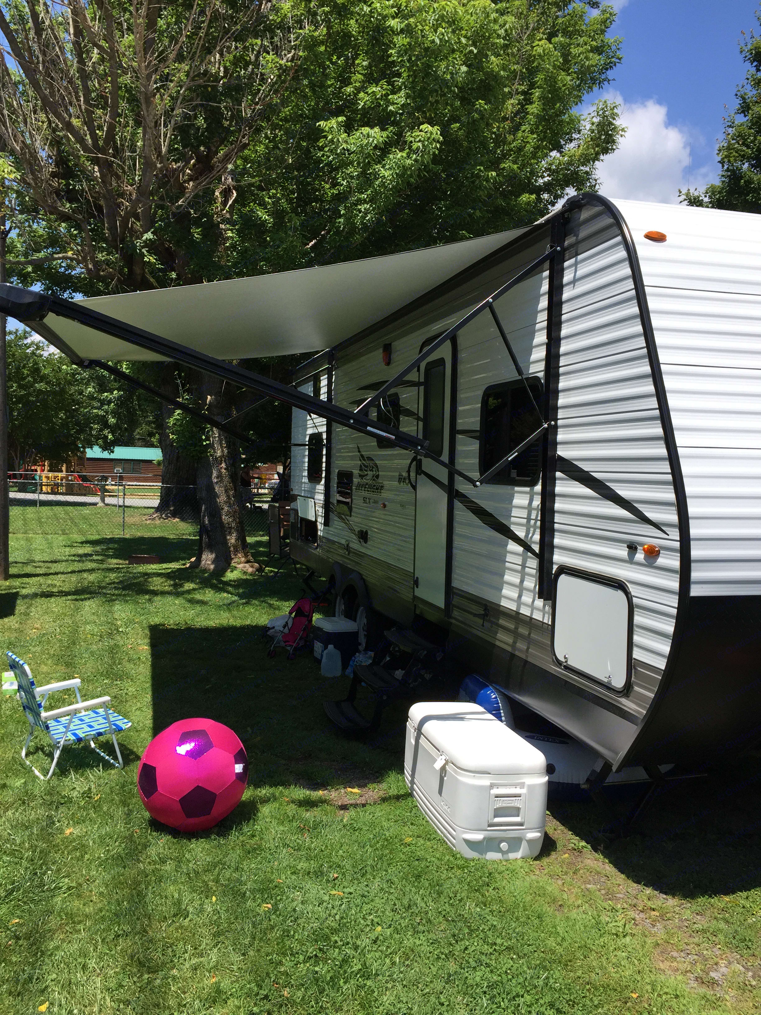 The automatic awning slides in and out easily. Jayco Jay Flight 2017
