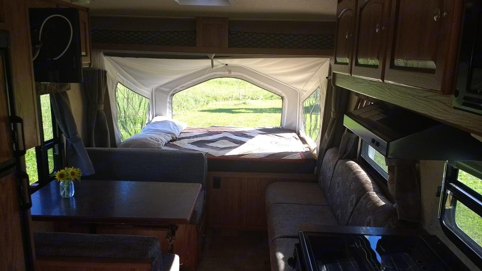 Living space.. Forest River Flagstaff Shamrock 2014