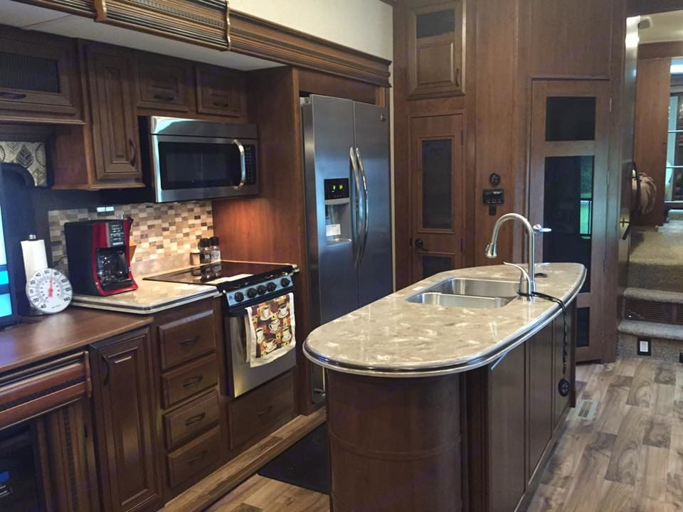 Kitchen. Jayco Pinnacle 2016