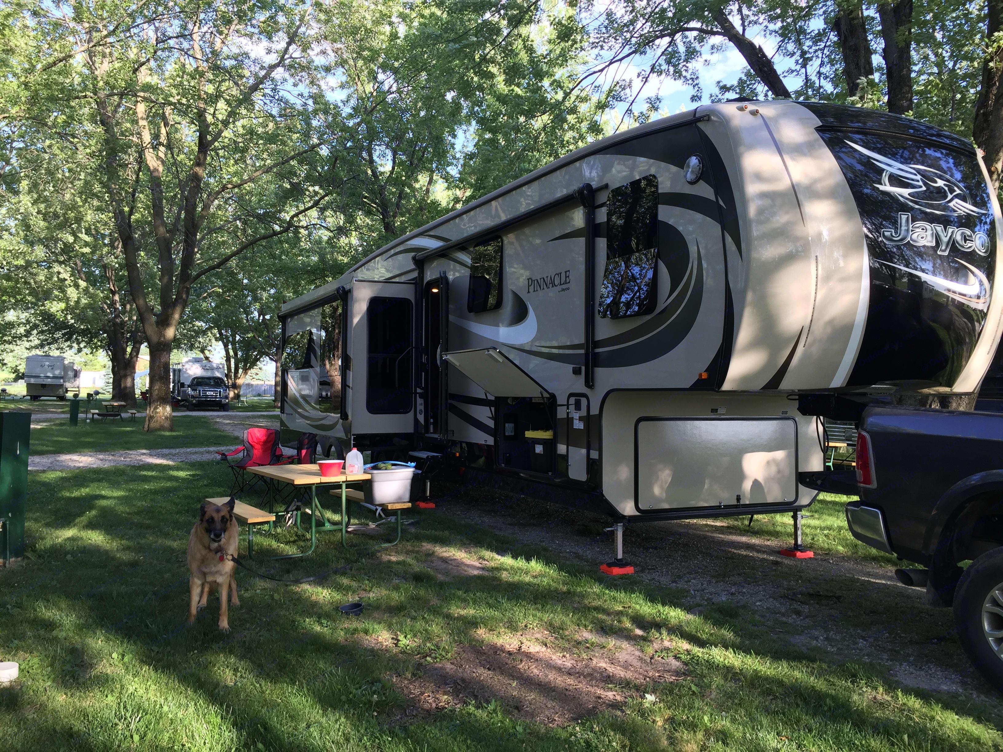 Easy setup! . Jayco Pinnacle 2016