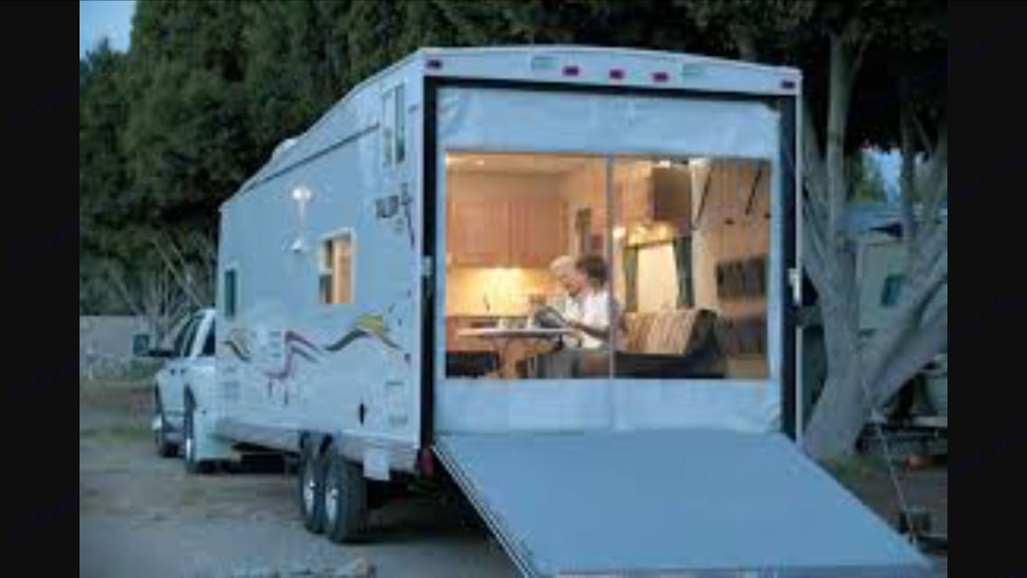 Can roll down screen for good weather !. Jayco Talon 2011
