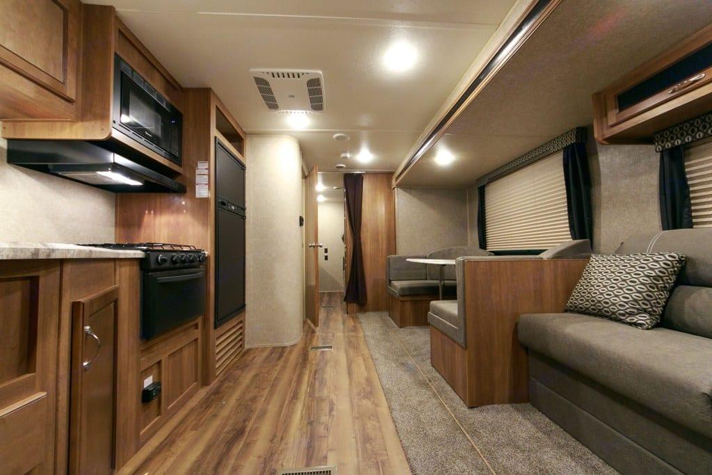 Bright comfortable interior.. Coachmen Catalina SBX 2018