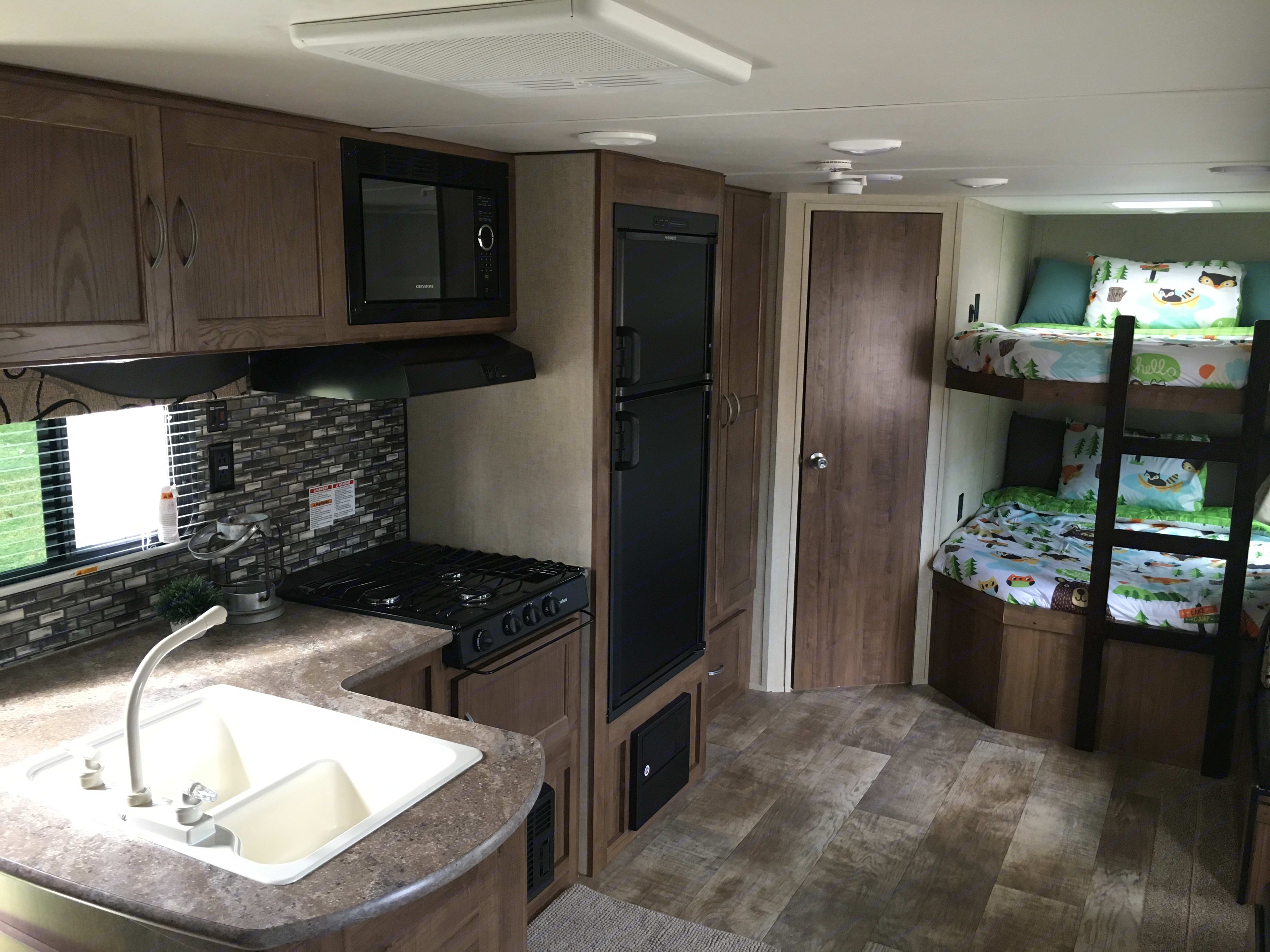 Bunks beds are great and the kitchen has everything you need!. Gulf Stream Kingsport 2018