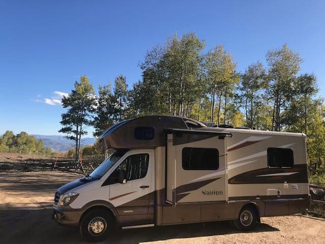 24 feet of pure fun! Easy to drive, park and tow. 16-18 mpg.. Itasca Navion 2017