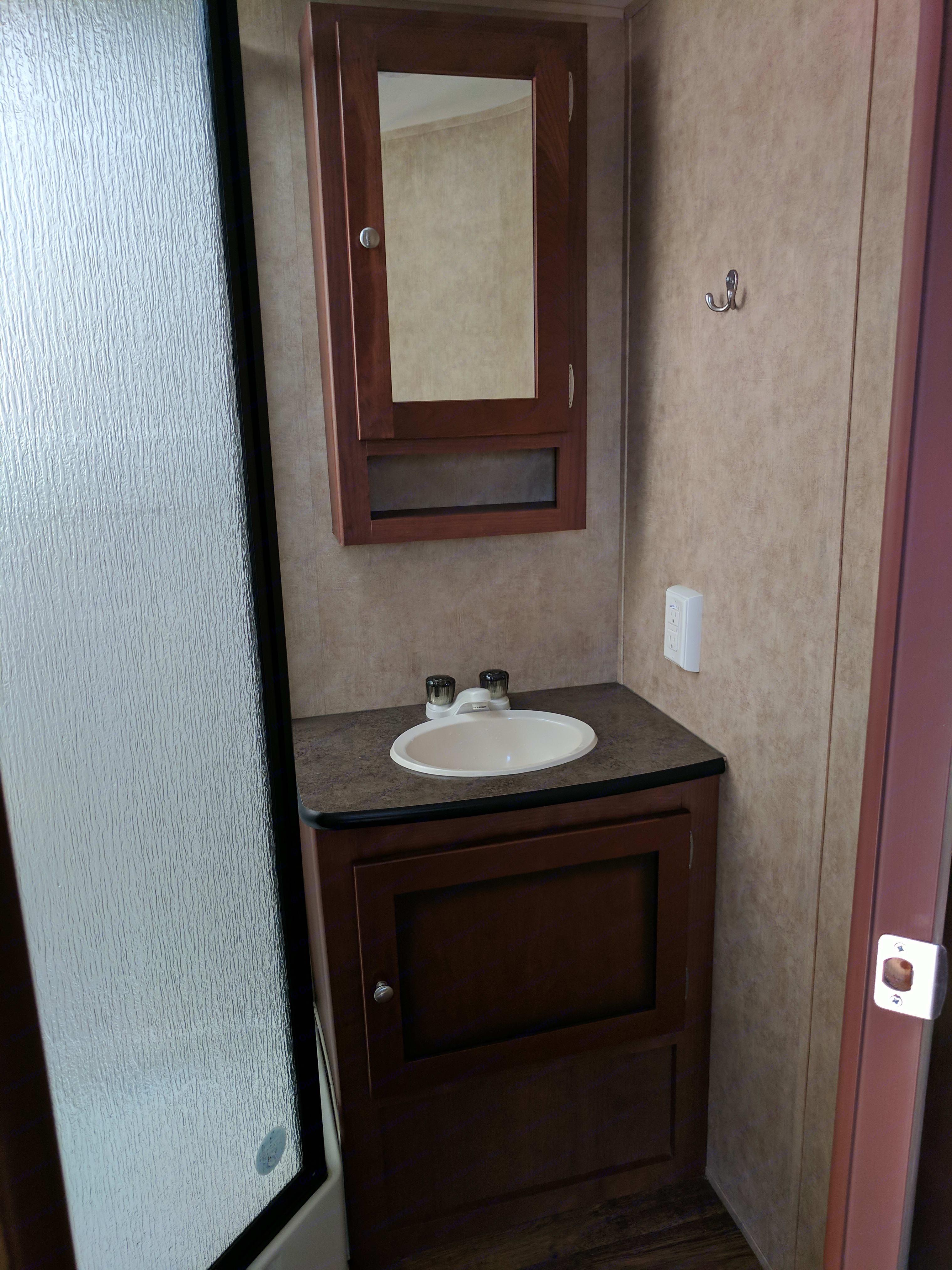 Washroom sink. Dutchmen Kodiak 2013