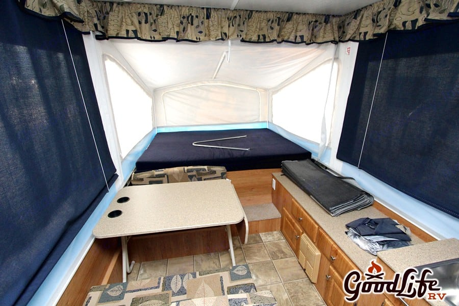 King and Queen beds. Jayco Jay Series 2008