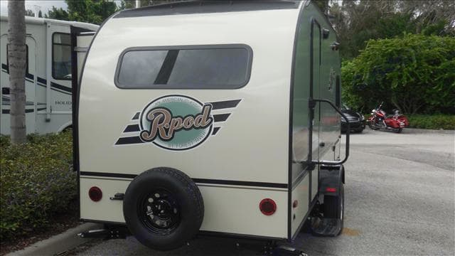 Forest River R-pod 179 2015