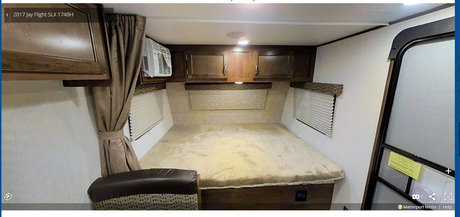 Queen size bed. Jayco Jay Flight 2018