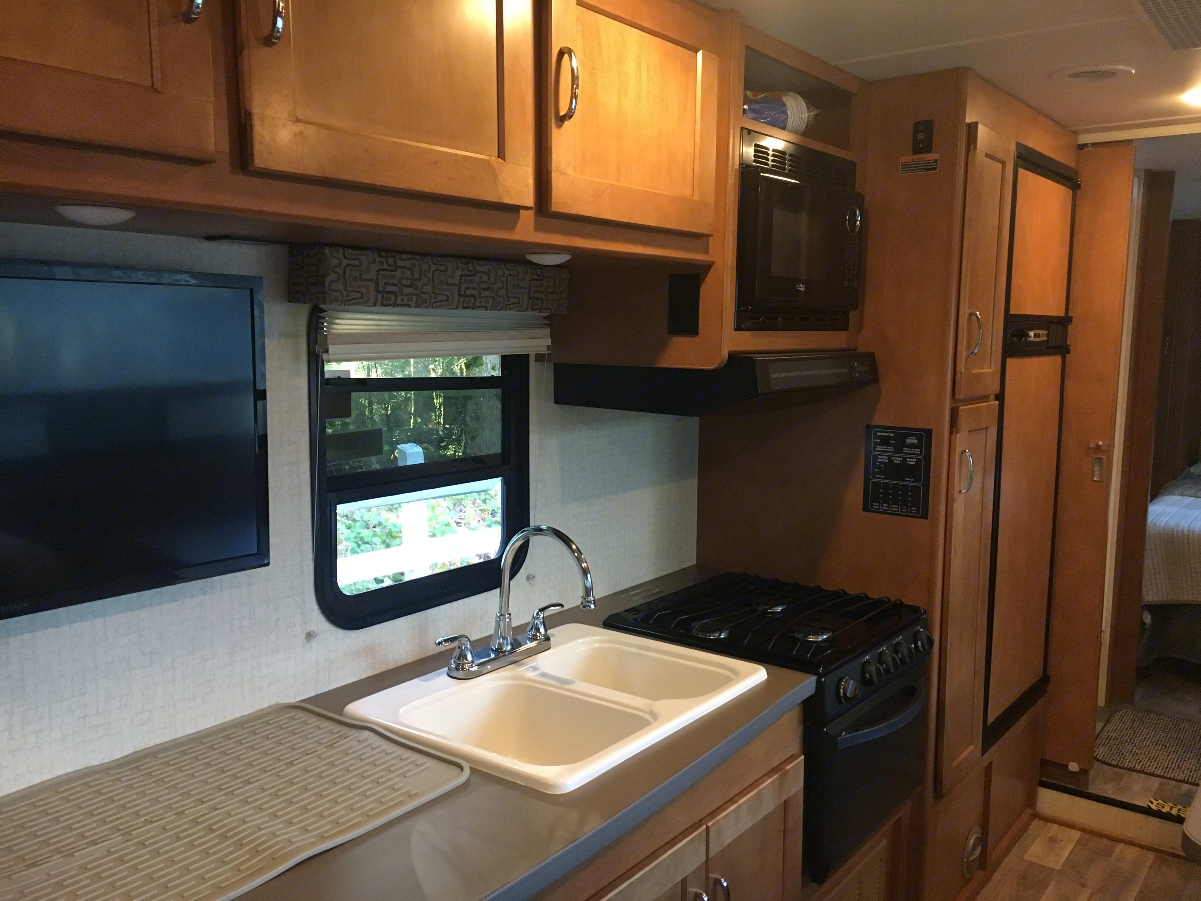 Kitchen. Winnebago Minnie Winnie 2017