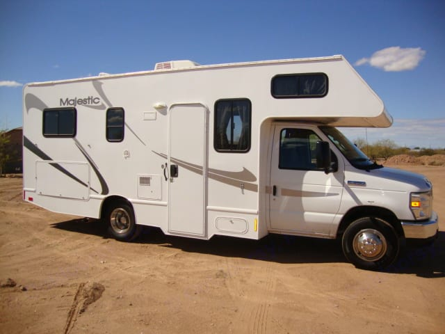 The easiest Size Class C to maneuver drive & park . Thor Motor Coach Four Winds Majestic 2011