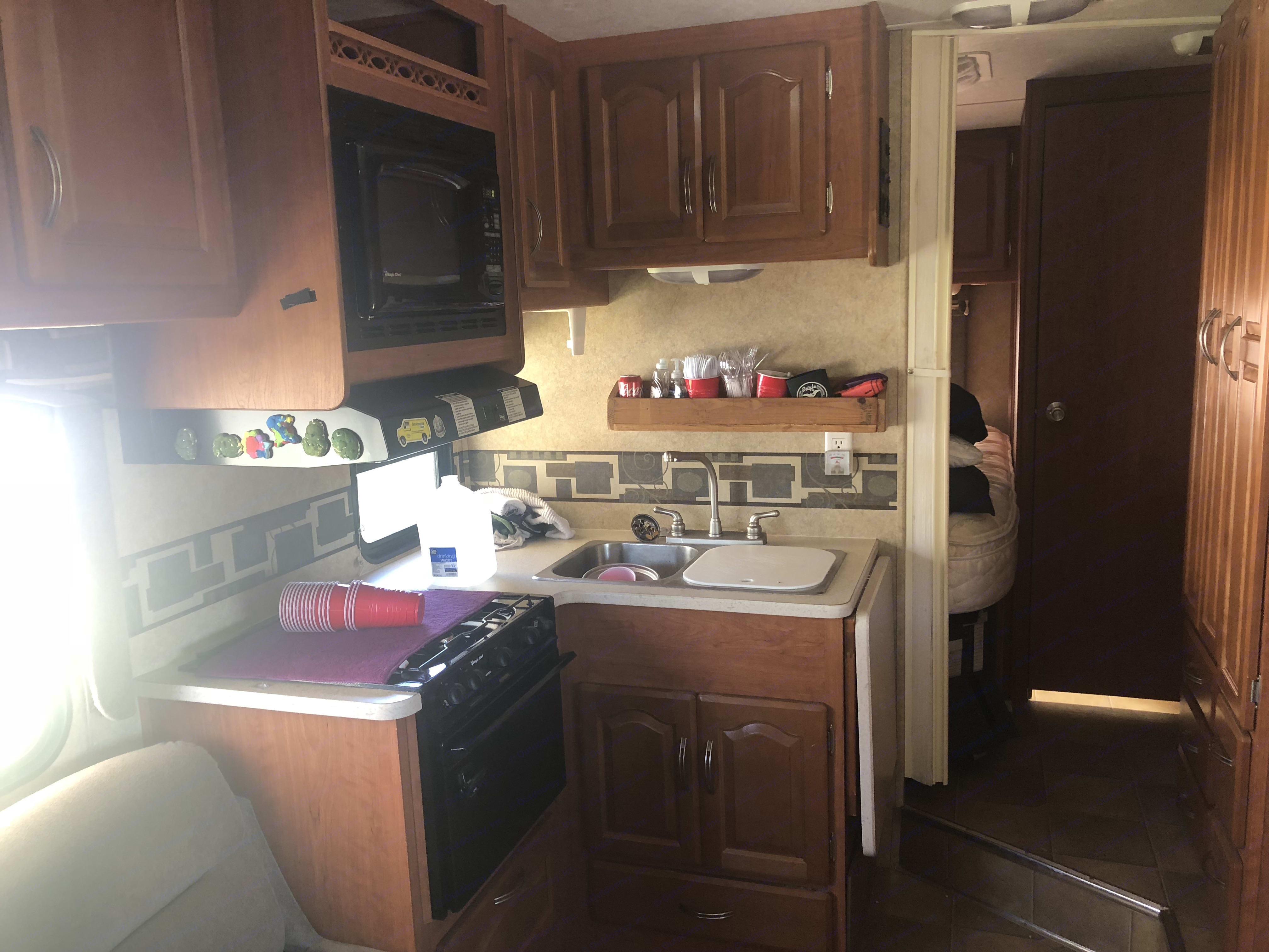 Cozy Kitchen. Forest River Sunseeker 2010