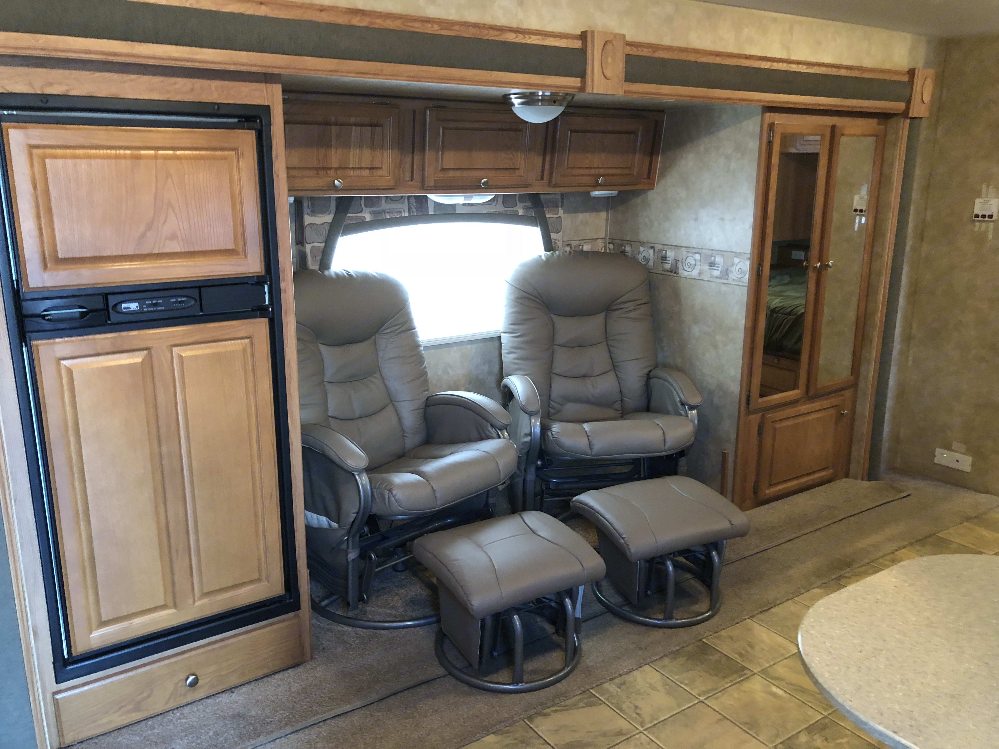 large slide out . Jayco Jay Feather 2008