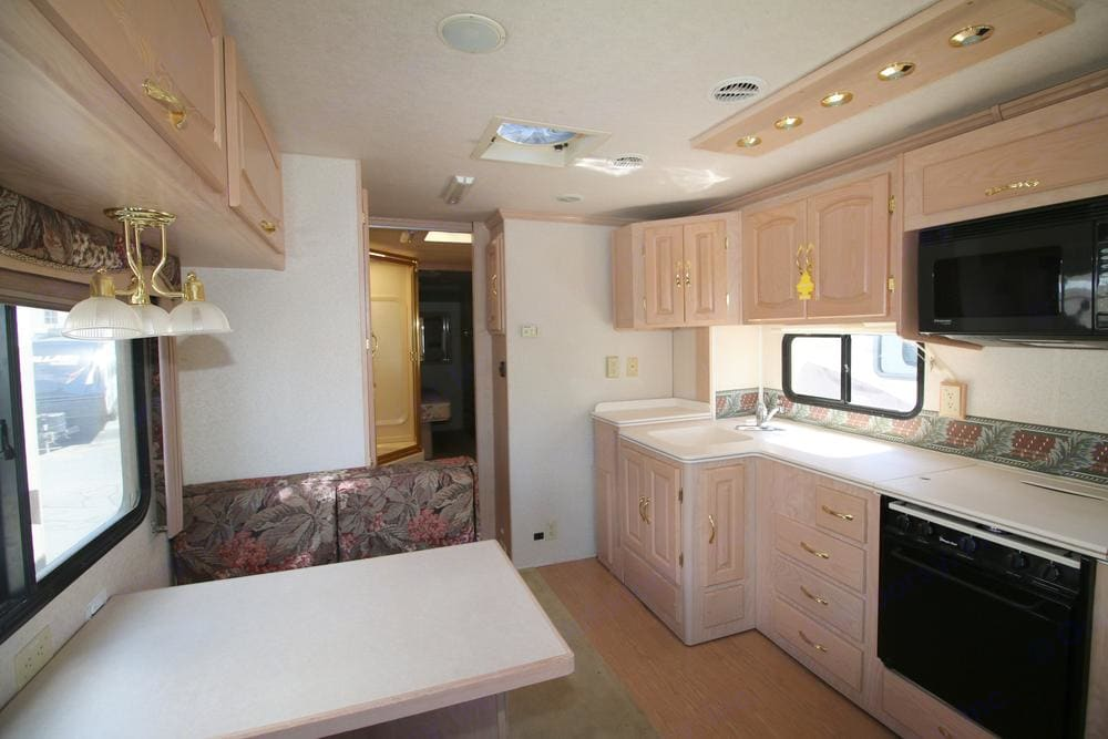 This is the Kitchen area. Coachmen Santara 2000