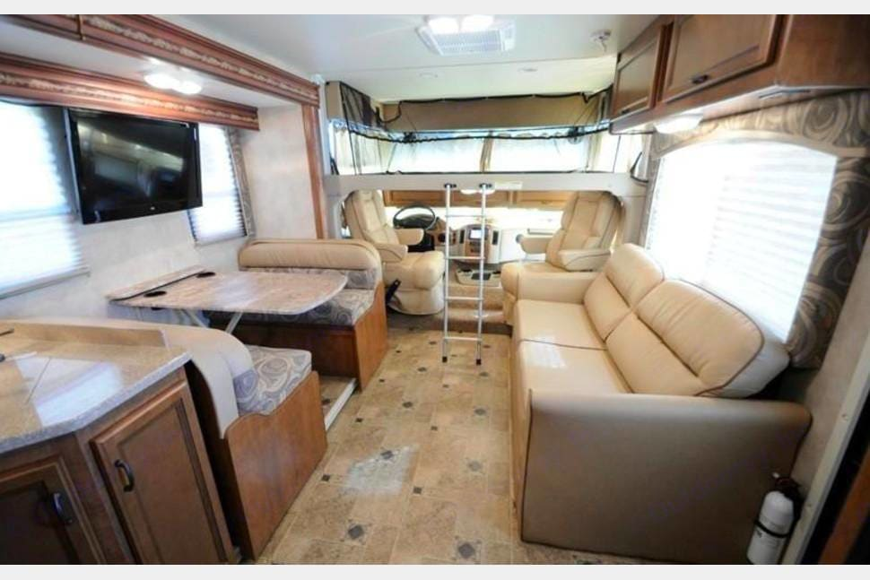 Harry is great for entertaining with the outside kitchen and TV. It sleeps 10 .. Thor Motor Coach Hurricane 2014