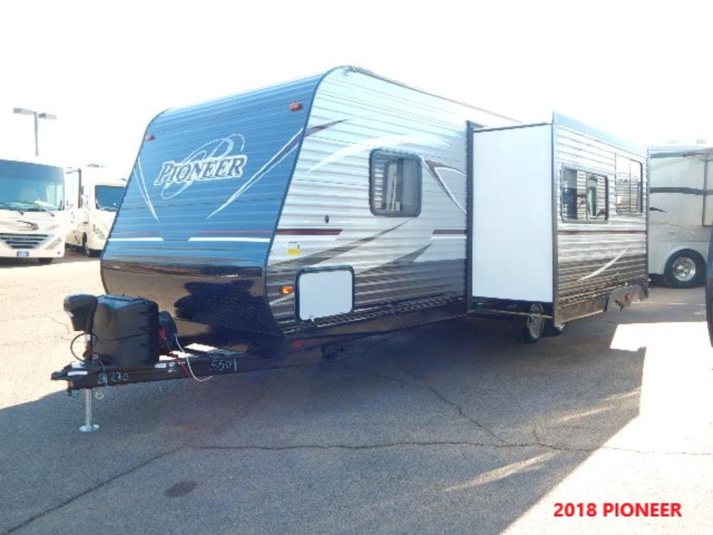 Drivers side large slide out provides for a large kitchen/living area.. Heartland Pioneer 2018