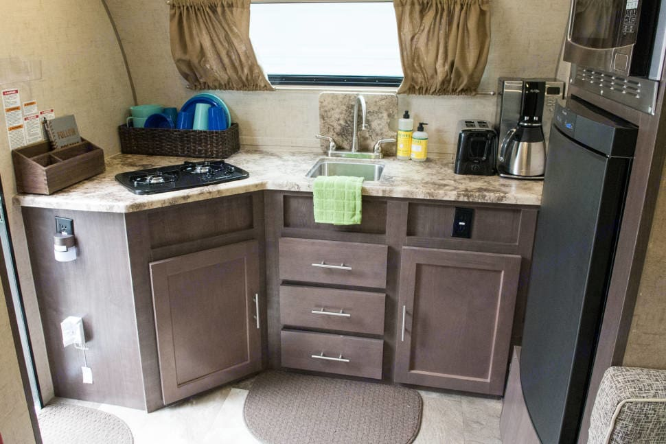 Check out this kitchen!. Forest River R-Pod 2016