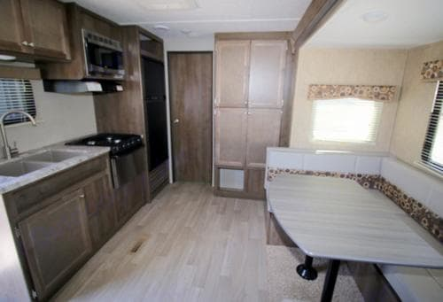 Roomy kitchen.. Coleman Other 2016
