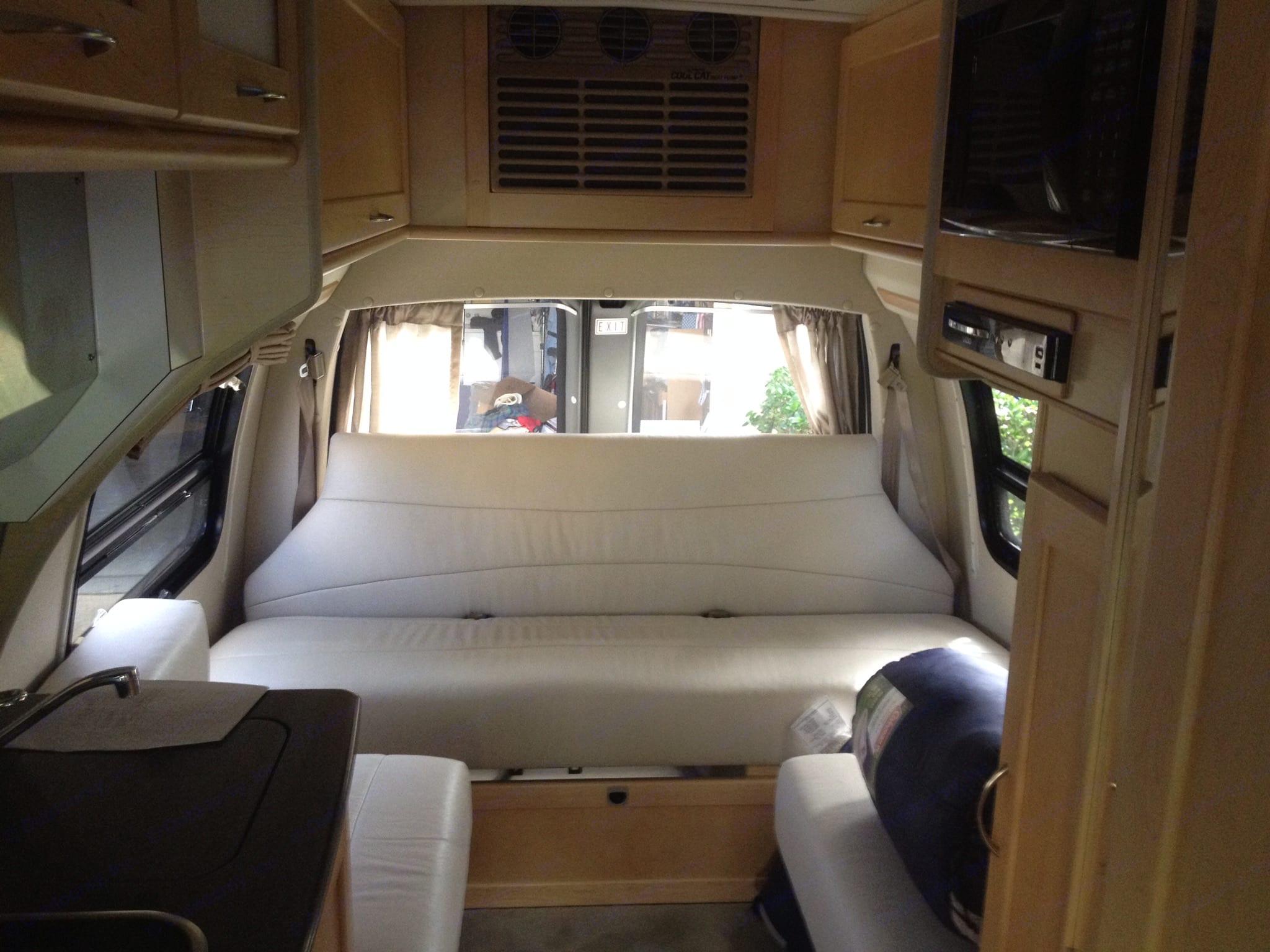 Queen size bed. Pleasure Way Lexor 2013