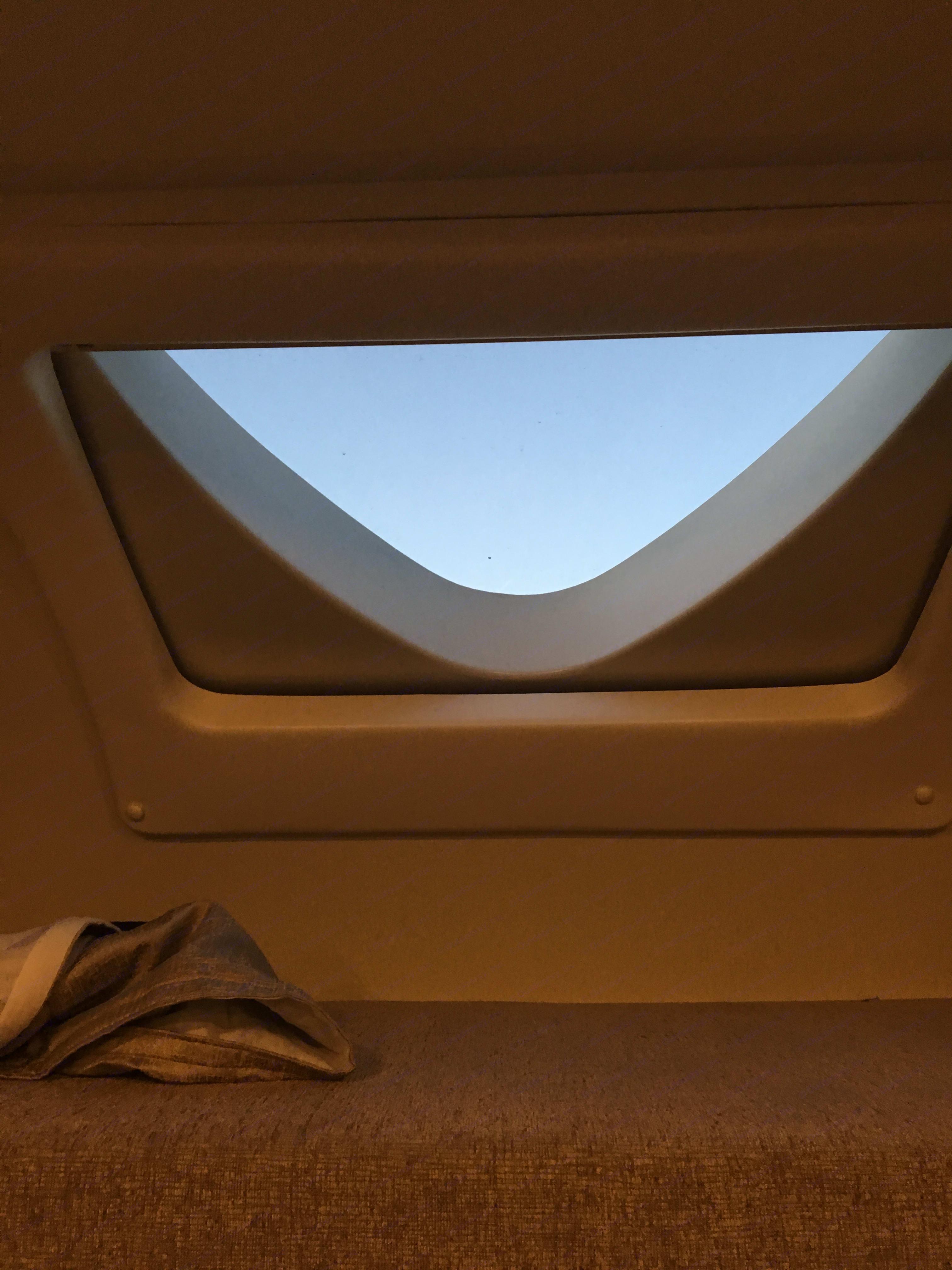 Skylight in the overhead bunk. Thor Motor Coach Quantum 2018