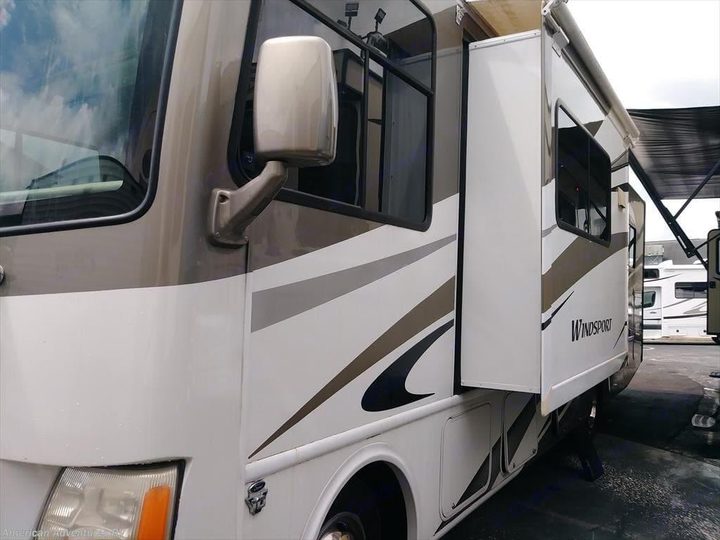 Thor Motor Coach Windsport 2011