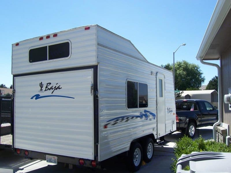 Load all your favorite toys and people for an all time adventure getaway. Jayco Baja 2005