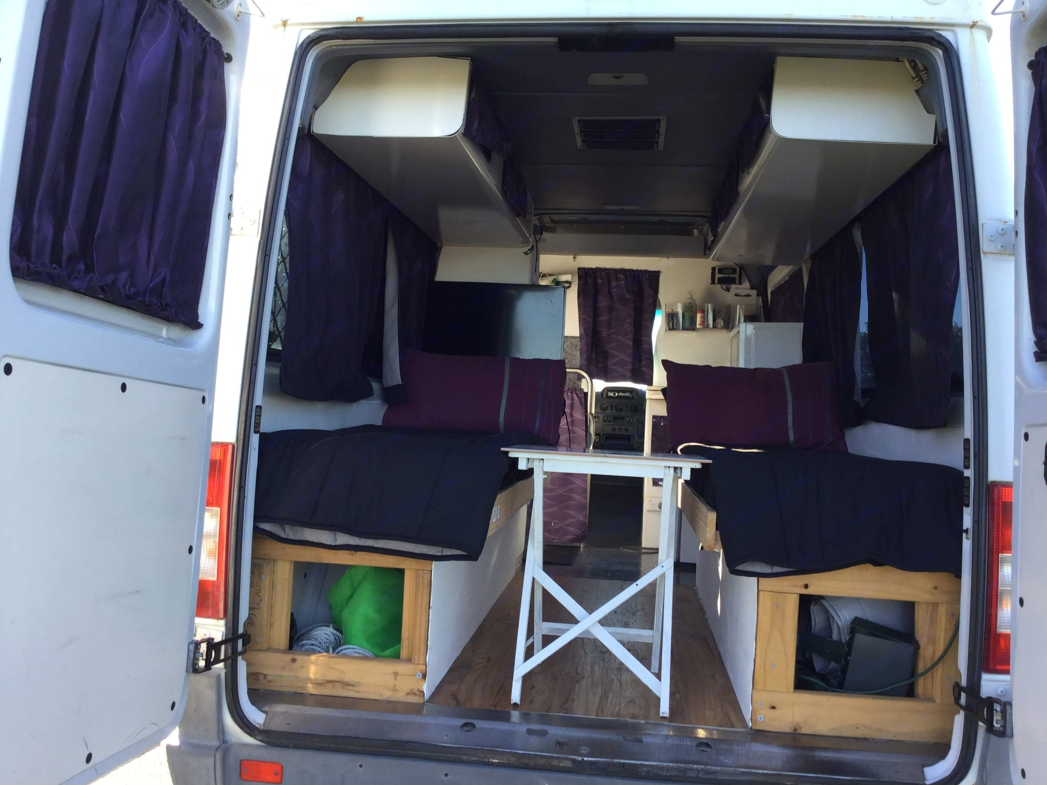 Two single beds, very comfortable . Mercedes-Benz Sprinter 2004
