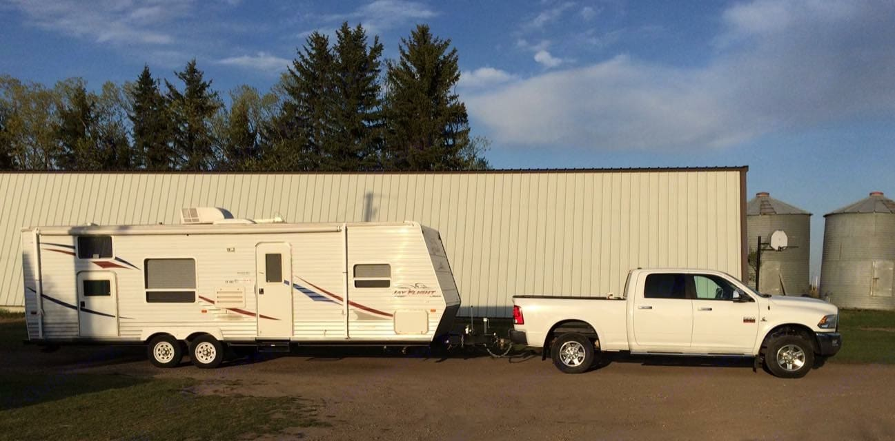 This is a 29 foot trailer with a half slide, Great for a family. Jayco Jay Flight 2007