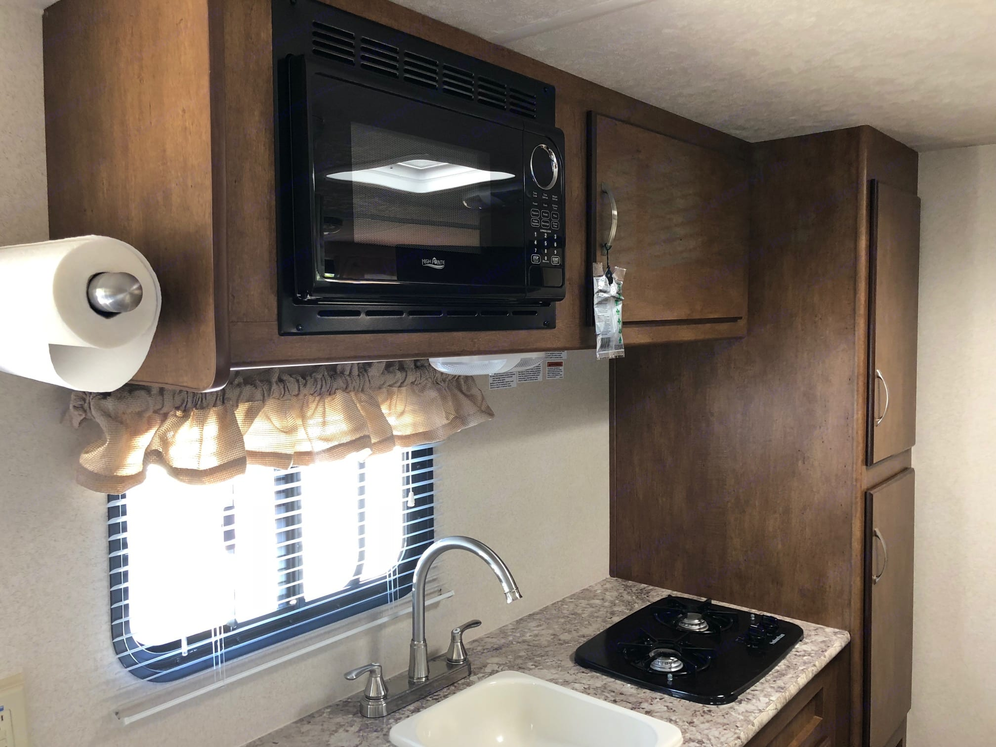 Microwave and storage cabinets. Forest River Salem Cruise Lite 2018
