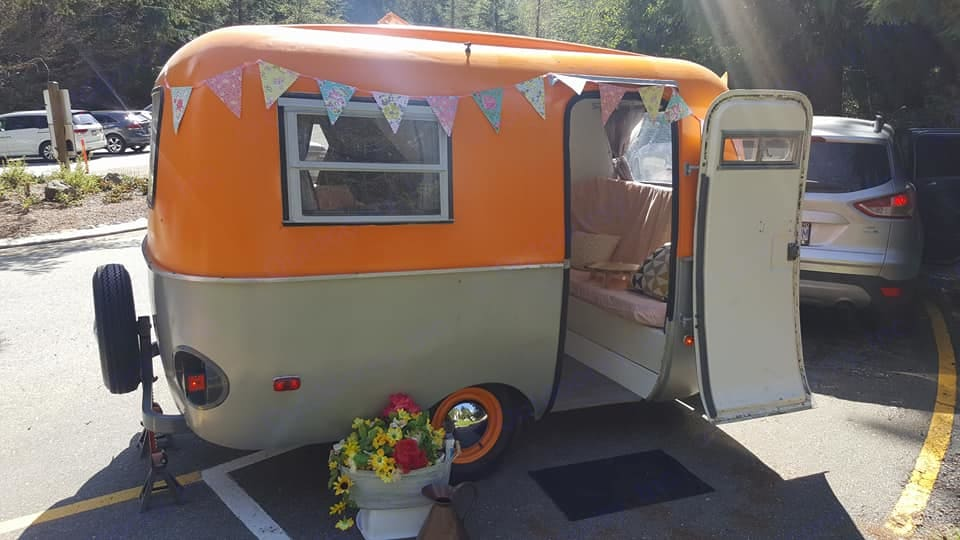 Great for events, photoshoots, high tea party catering too. Boler 13' 1973