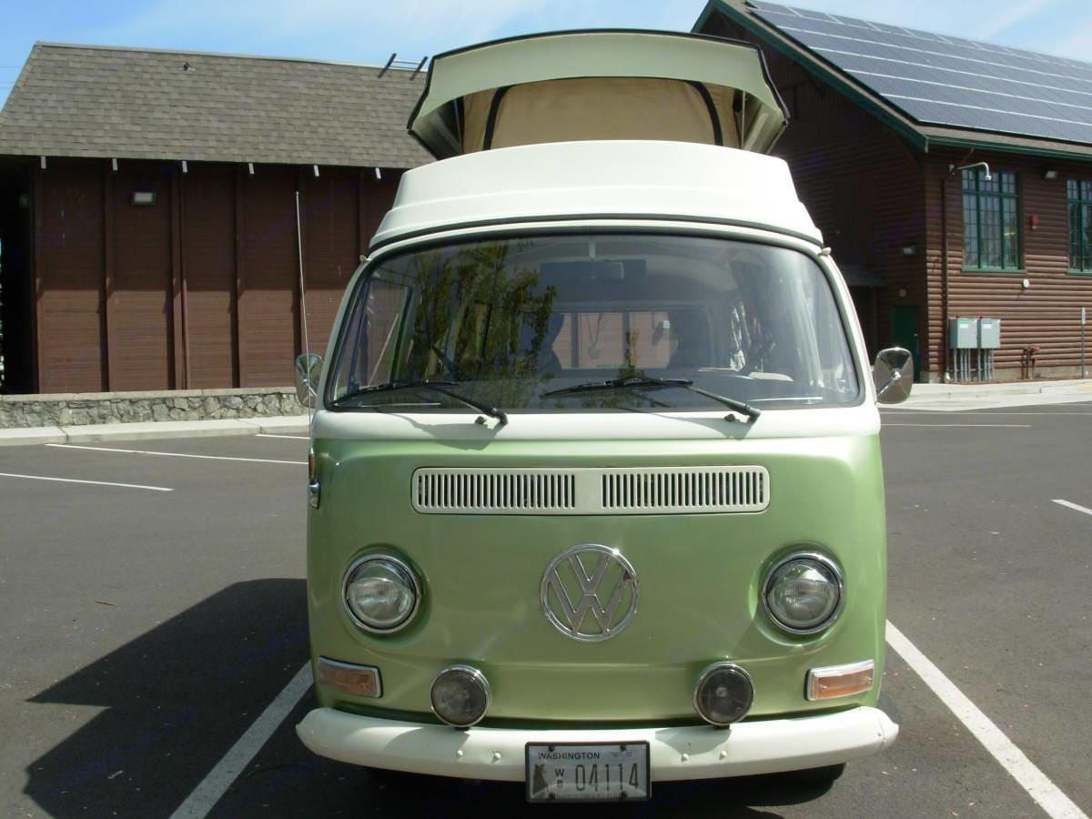 "Lovingly maintained 1972 Volkswagen ""Riviera"" . Volkswagen Westfalia 1972"