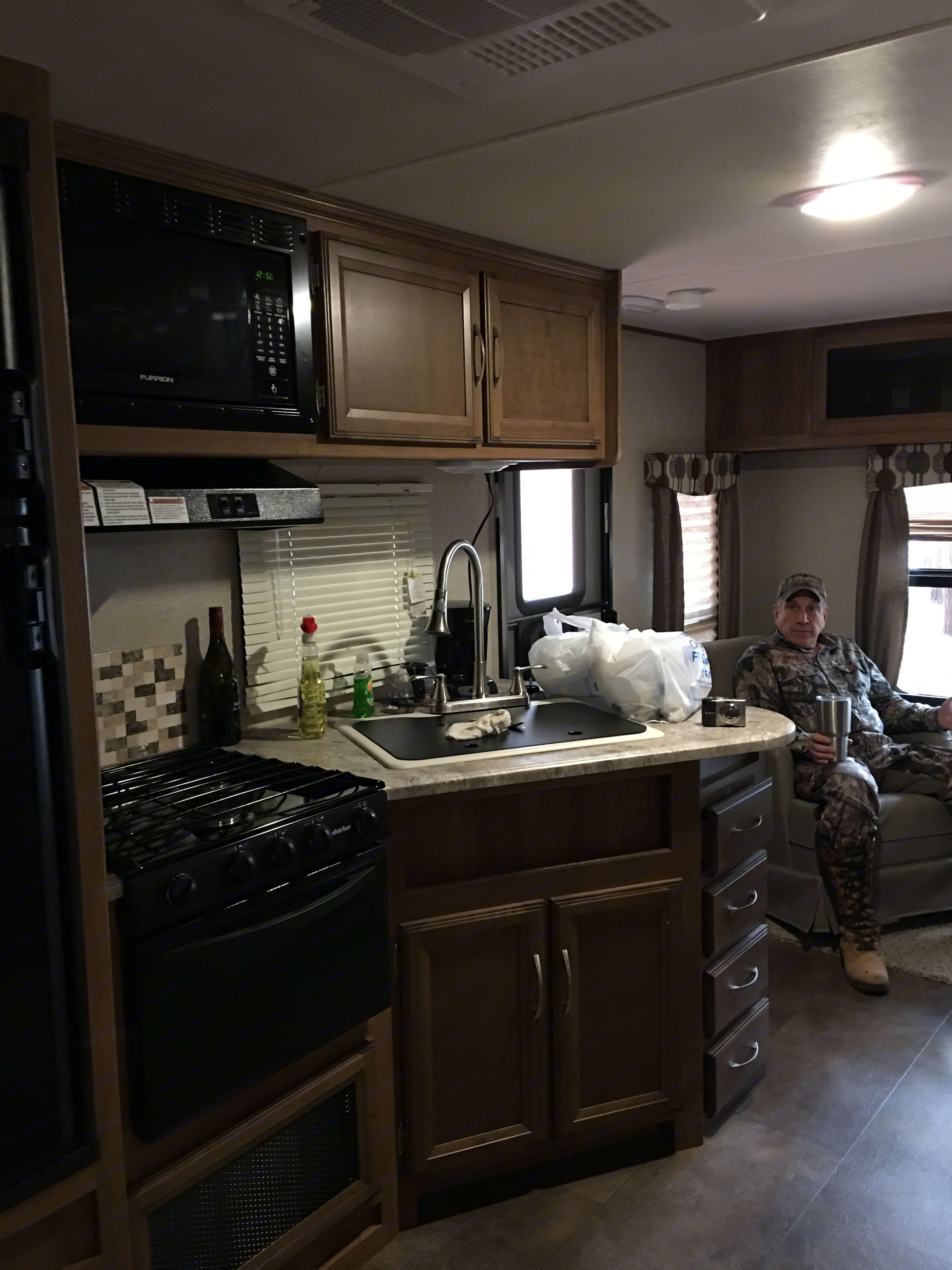 Kitchen area. Coachmen Apex 2016